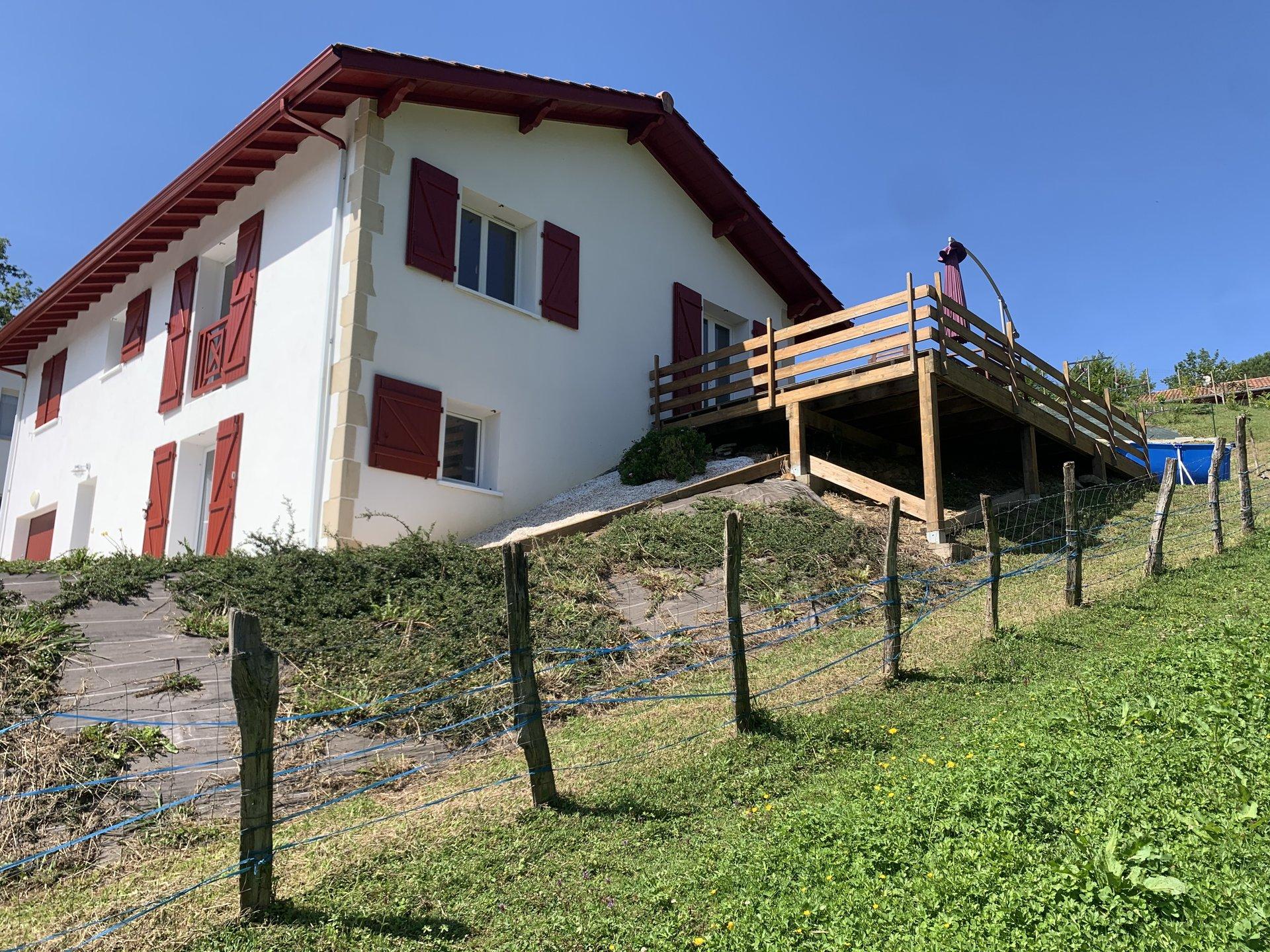 Maison hauteur d'ibarron