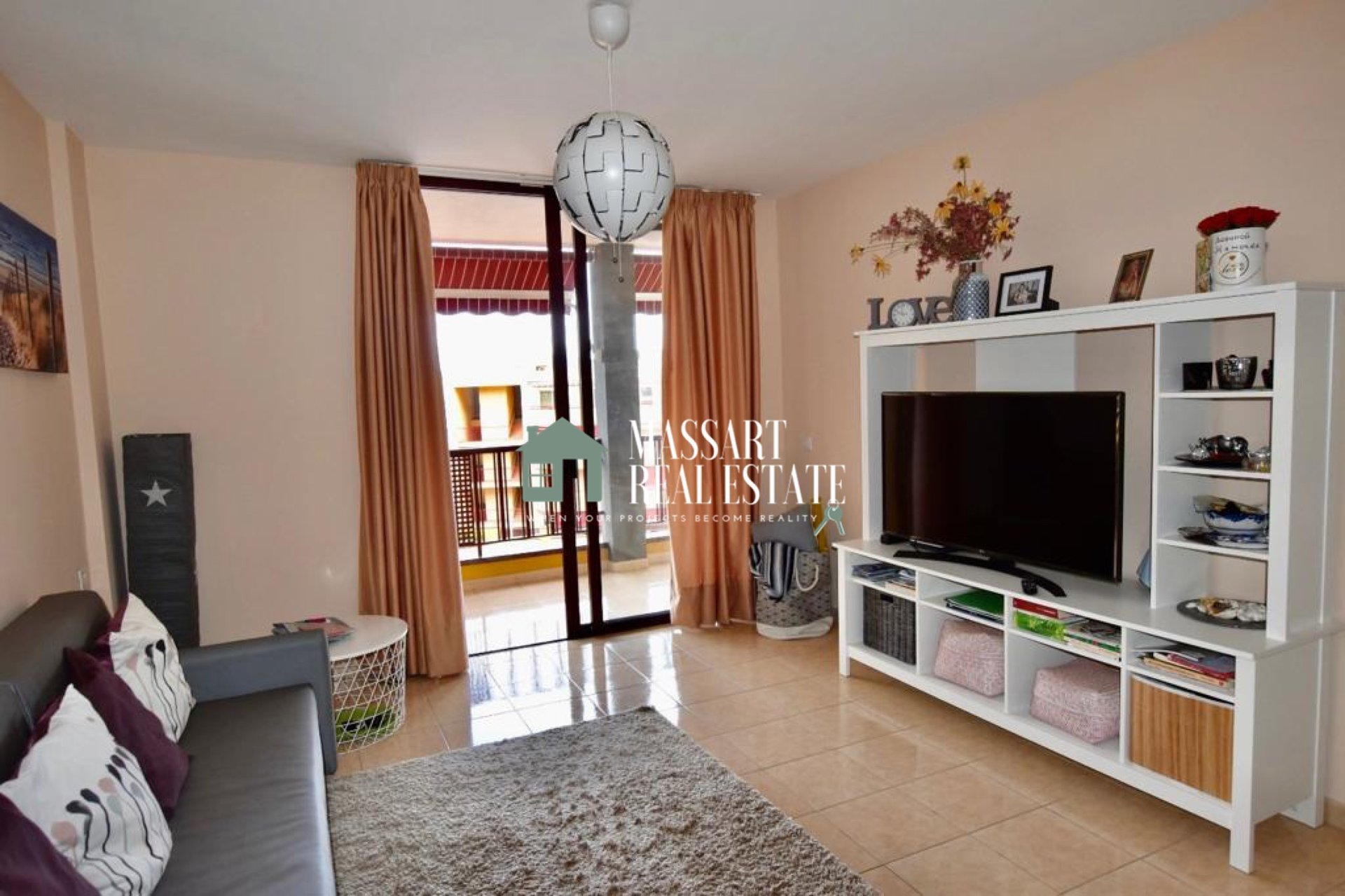 For sale in Puerto De Santiago, 65 m2 furnished apartment ideal both as a second residence, as an investment or even as a habitual residence.