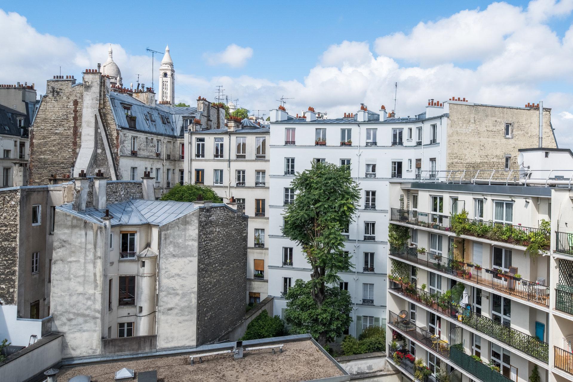 2 pièces - Dernier étage - Vue Sacré Coeur