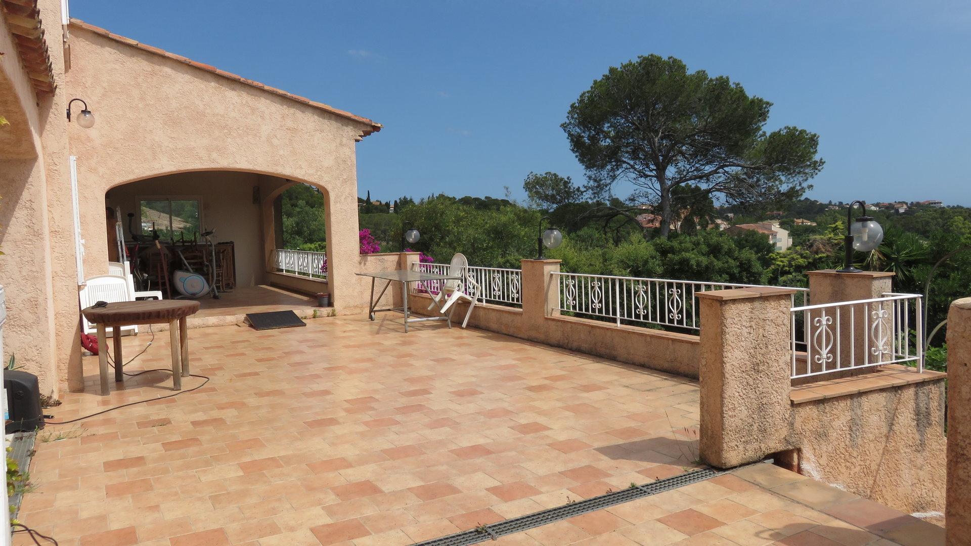 5 room villa with annex