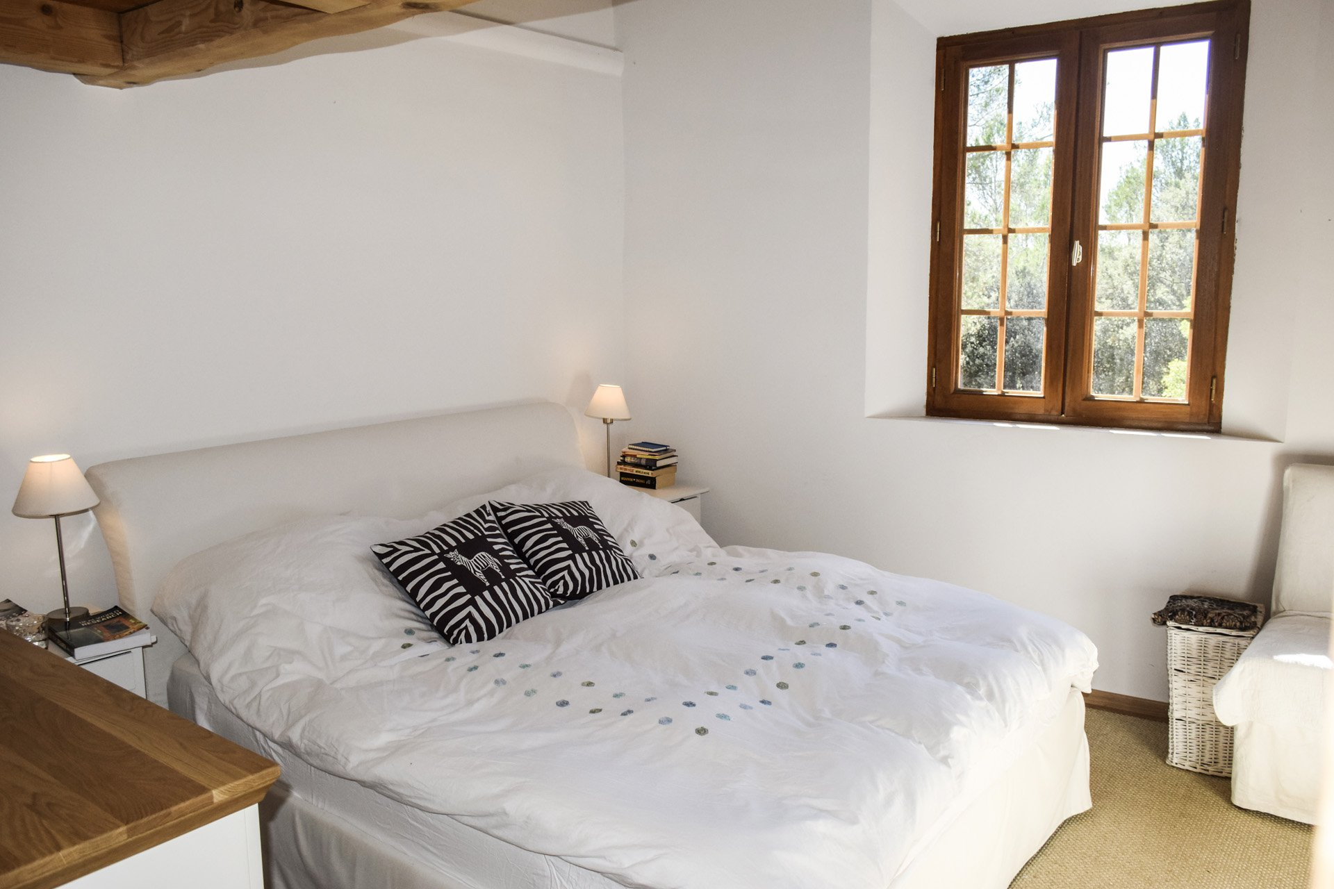 bedroom 1 old barn renovated on 8 ha, isolated aups var provence verdon