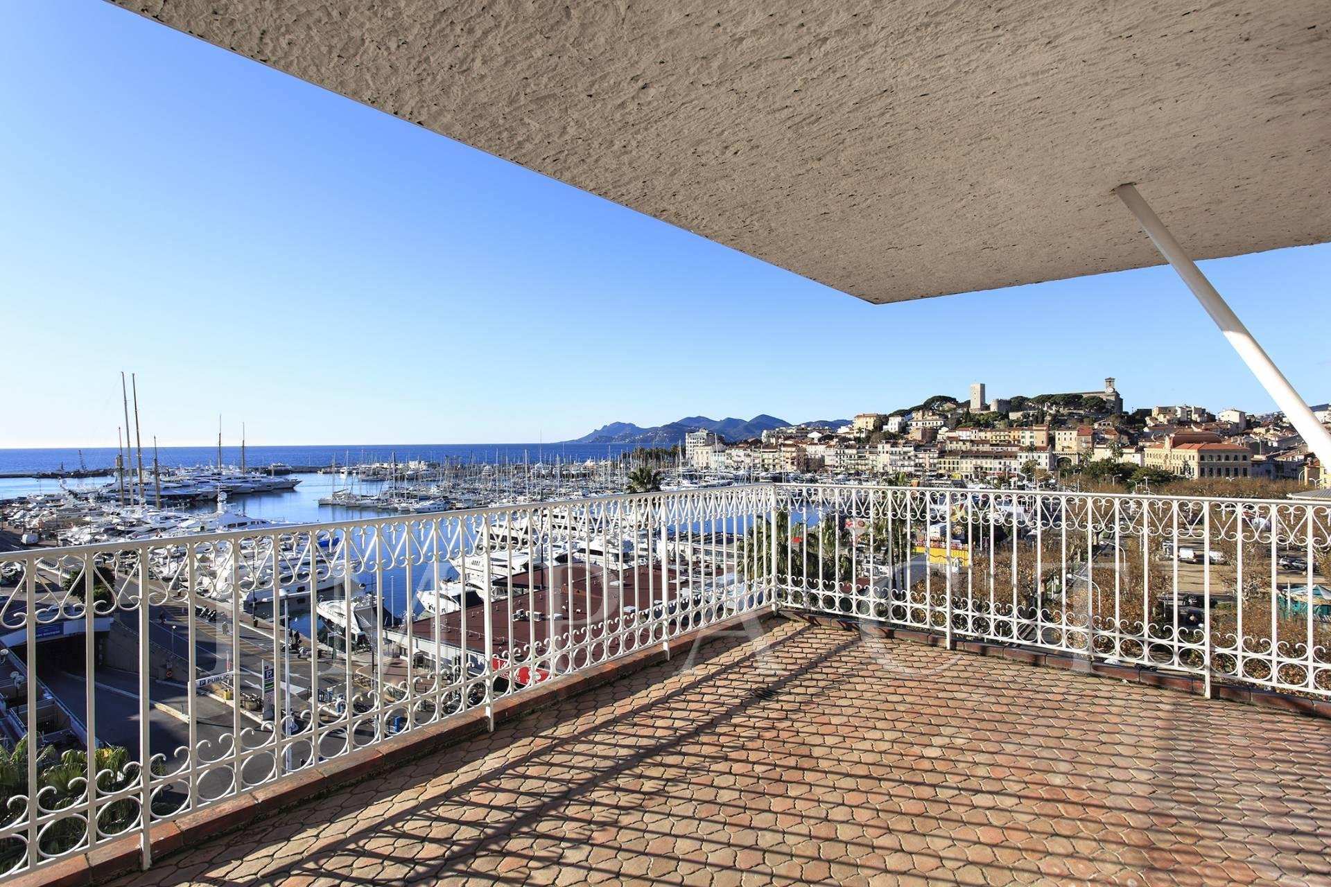 Apartment to rent, facing old pier and Palais des Festivals, Cannes