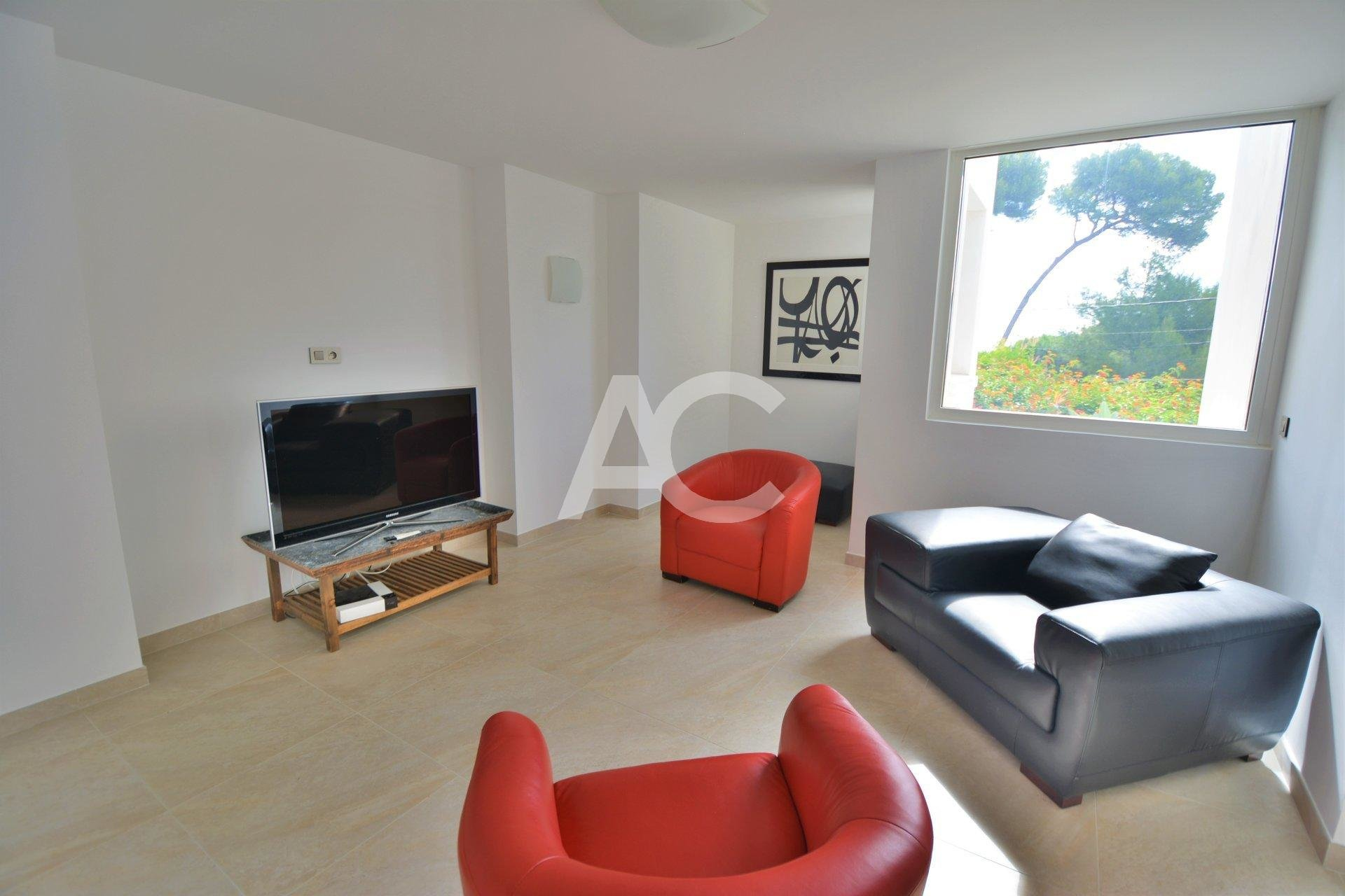 Cap d'Antibes - villa d'architecte - vue mer