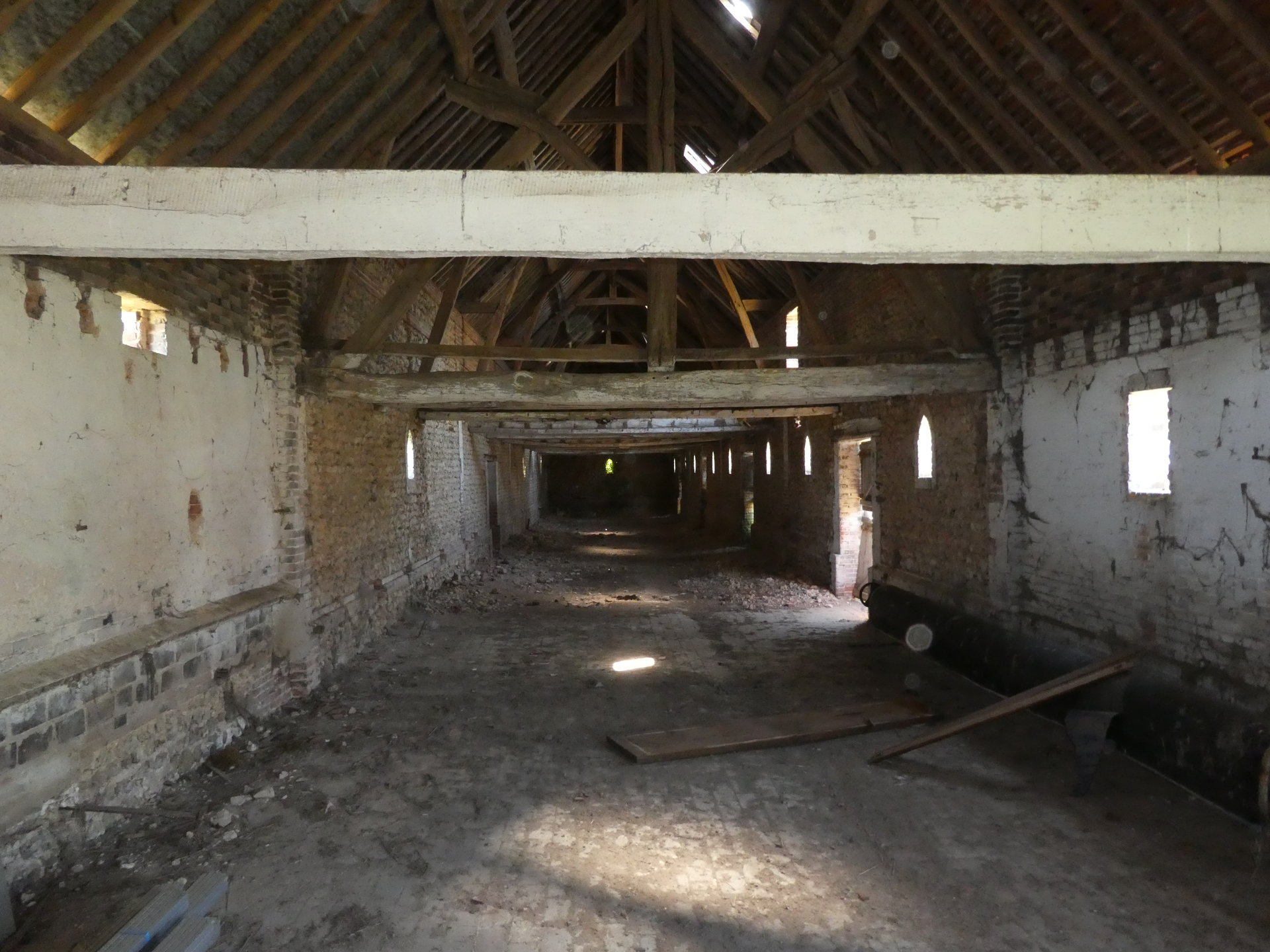 Sale Barn - Mesnils-sur-Iton