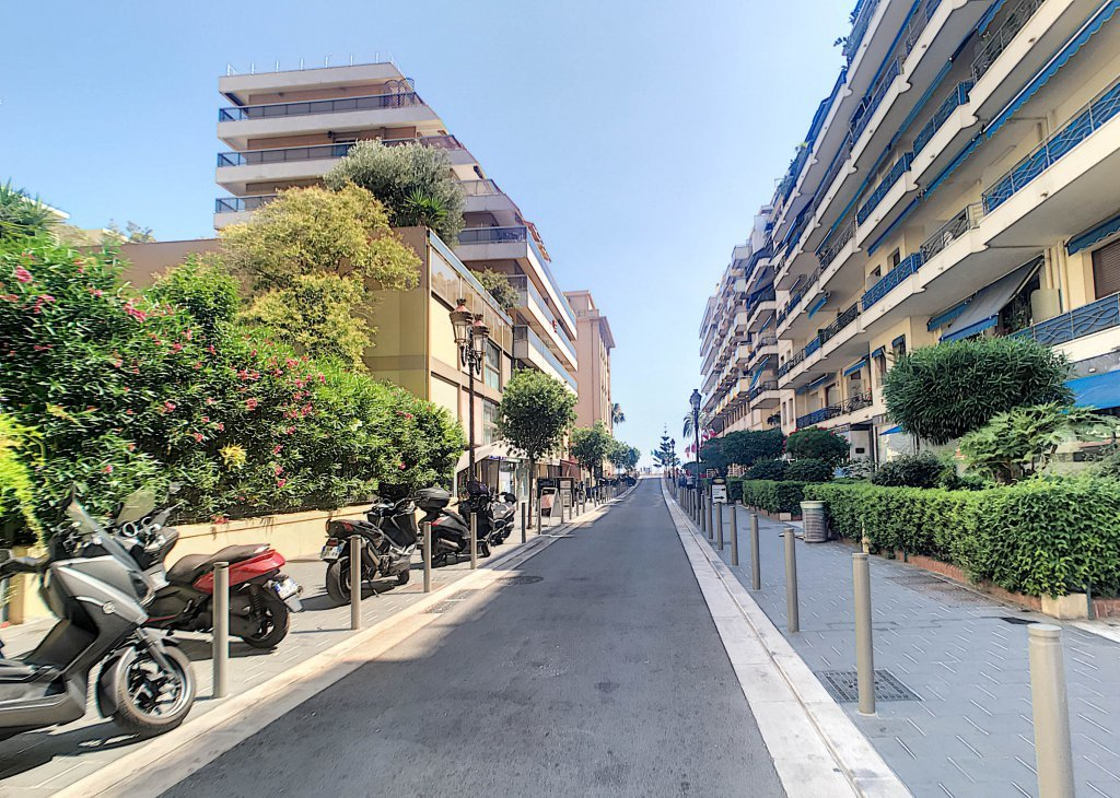RENTAL DAILY - Parking Nice Carré d'Or Massenet Pedestrian Zone