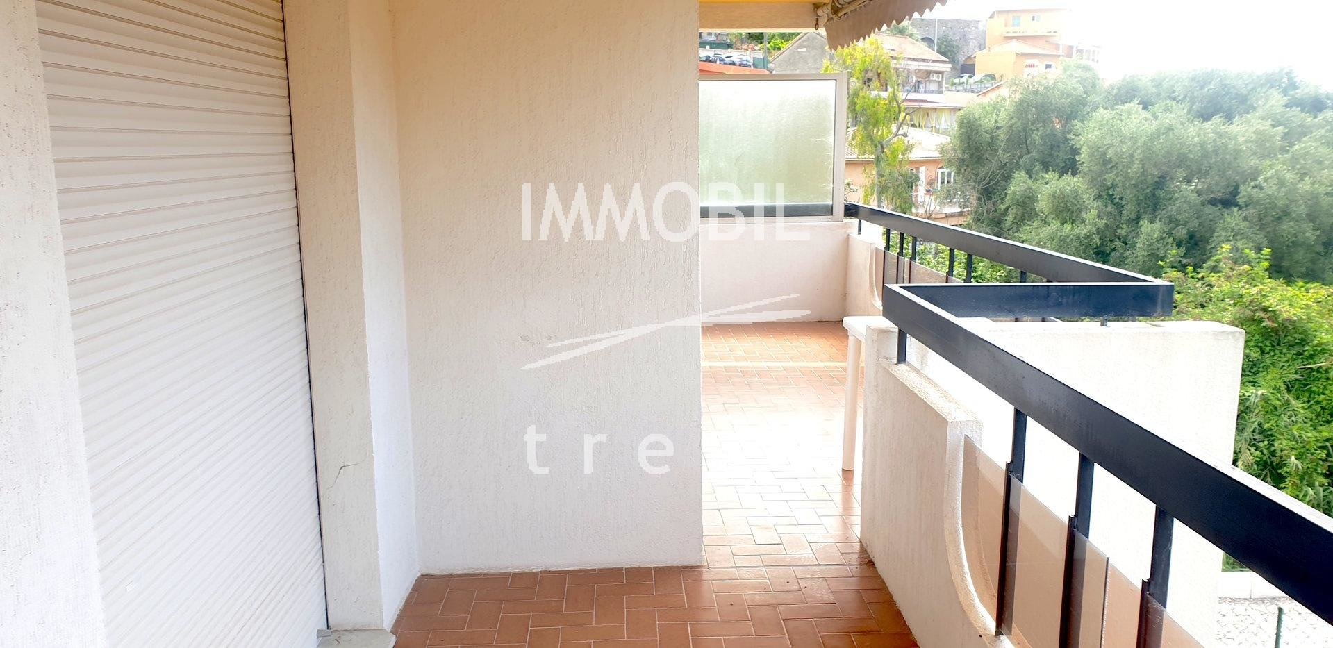 EXCLUSIVITE ROQUEBRUNE CAP MARTIN APPARTEMENT 3 PIECES AVEC BALCON PARKING ET CAVE