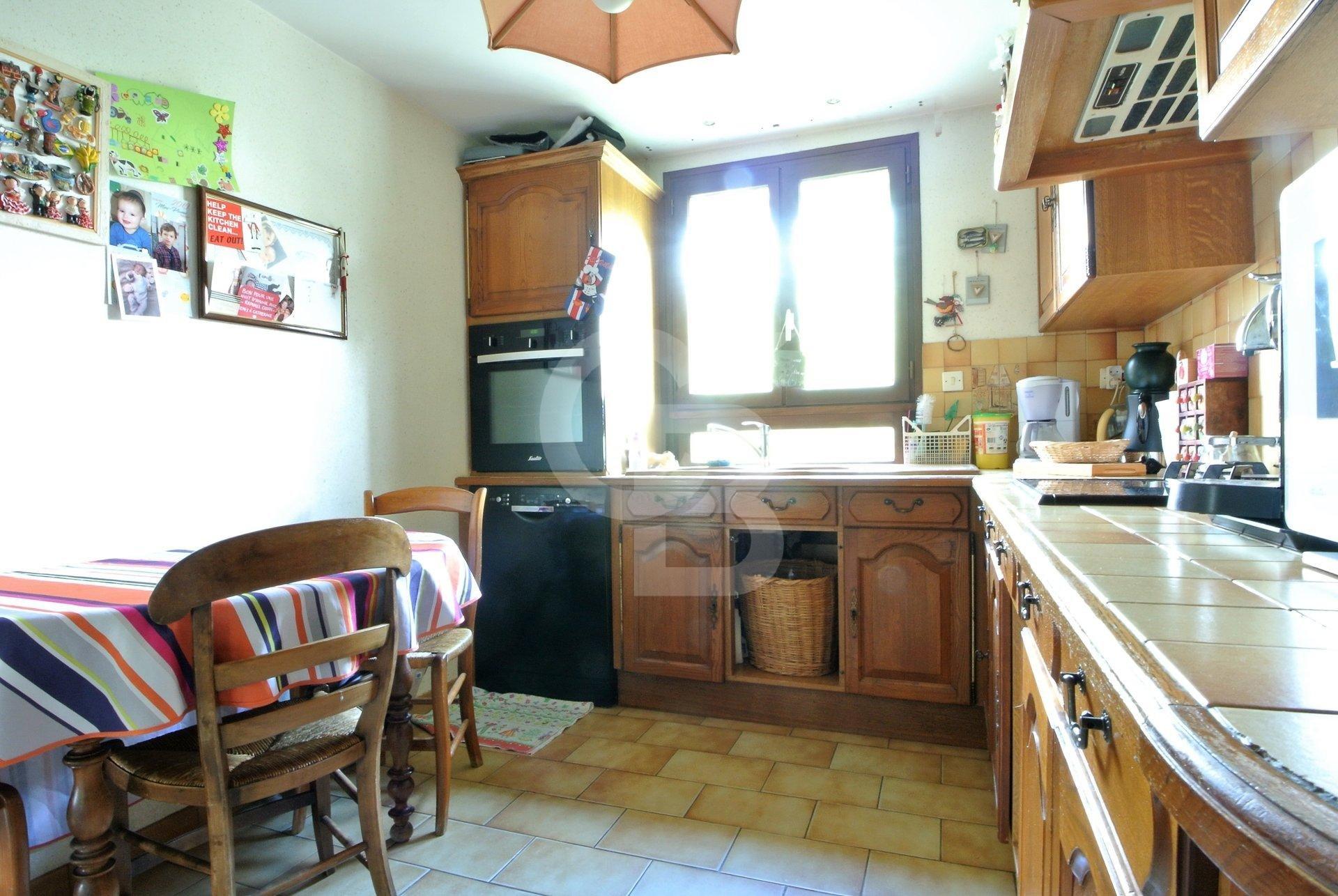 Maison 5 ch + bureau,  Piscine,  Double Garage 1400 m² de terrain Royan