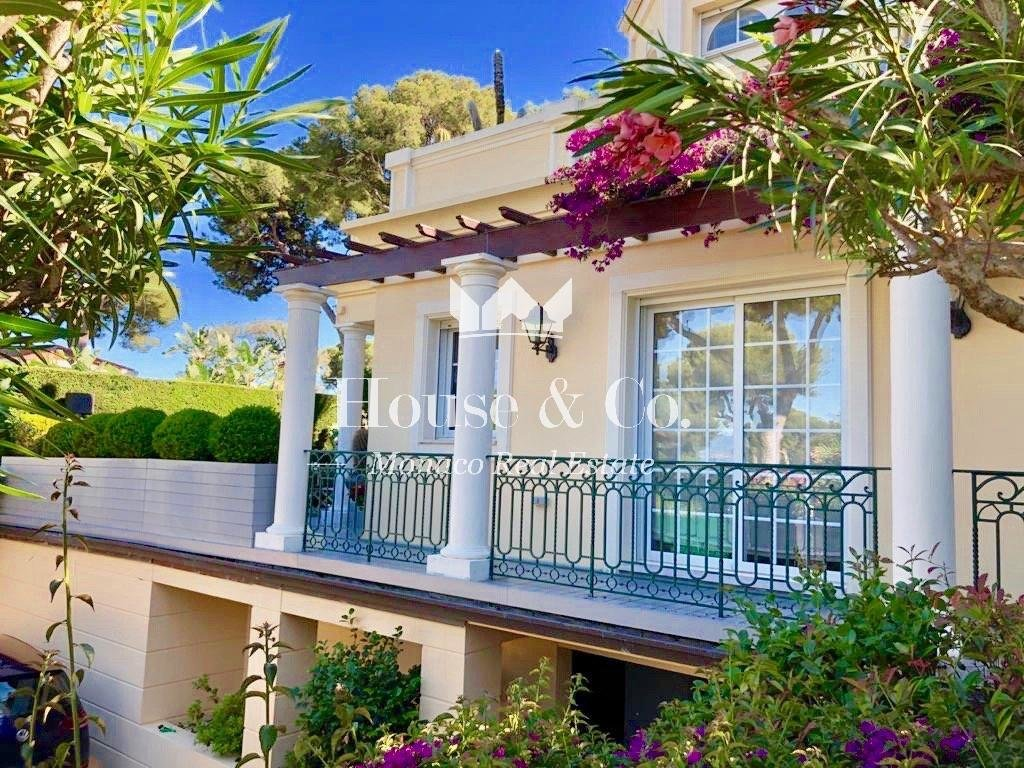 4 ROOMS FOR SALE - ROQUEBRUNE CAP MARTIN