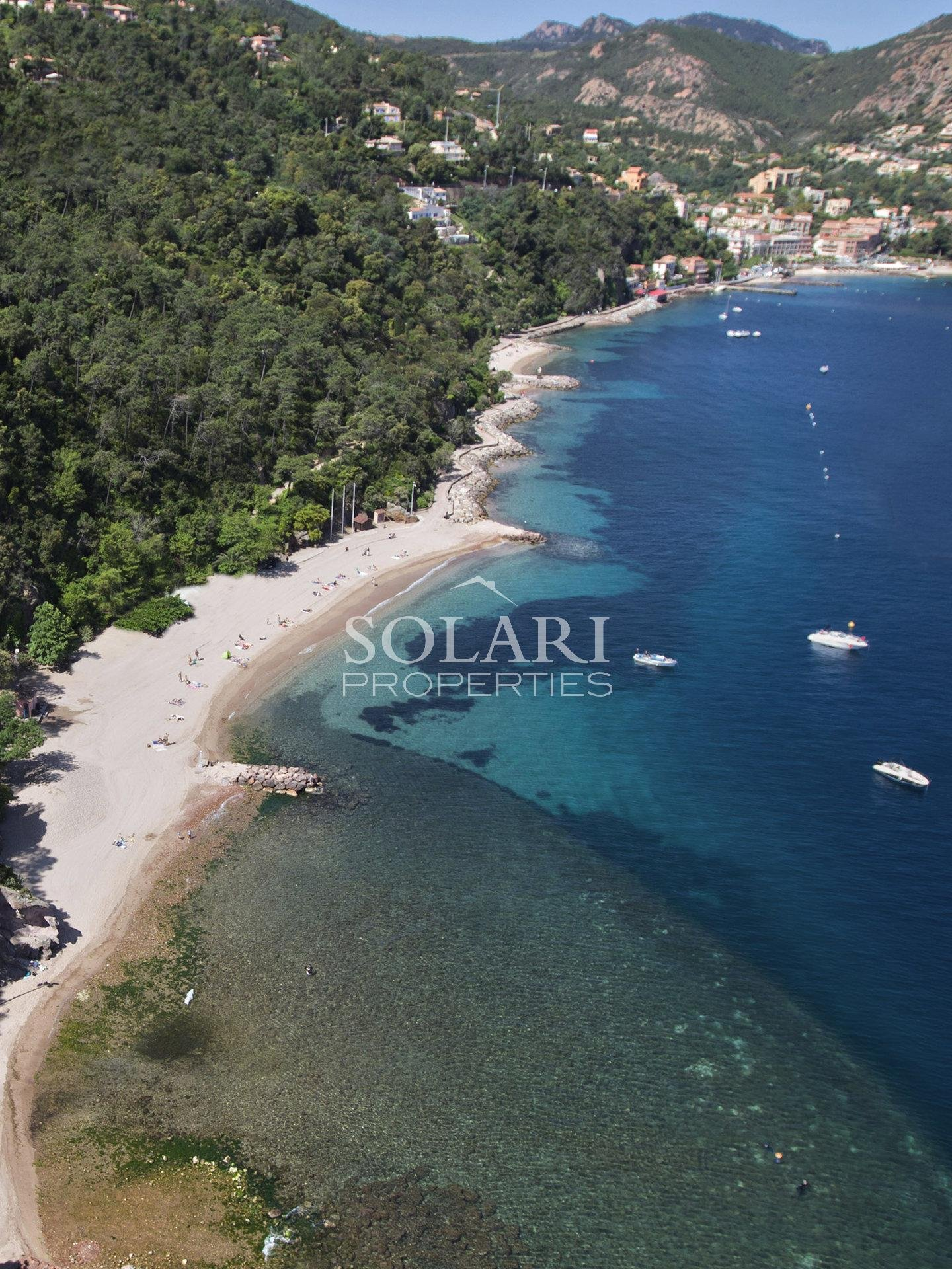 Villa with direct access to Theoule's beaches