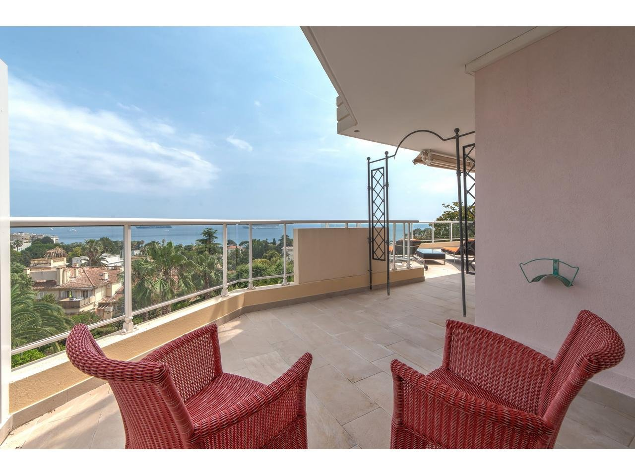 Appartement  4 Rooms 110m2  for sale  1 650 000 €