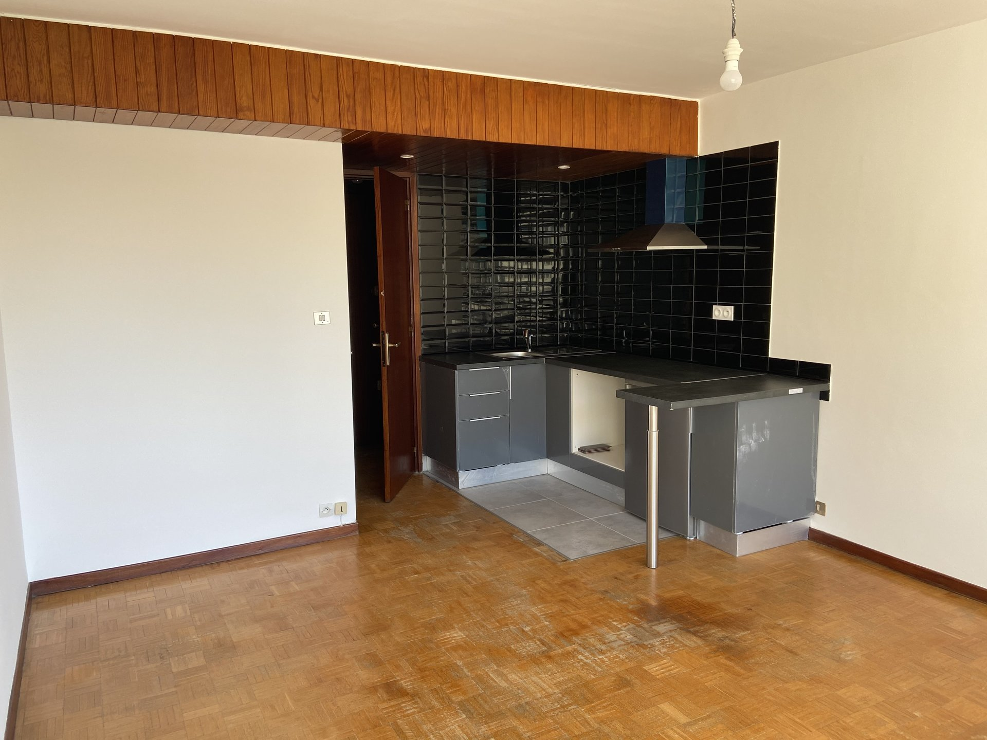 T1 5 avenues 13004 Marseille