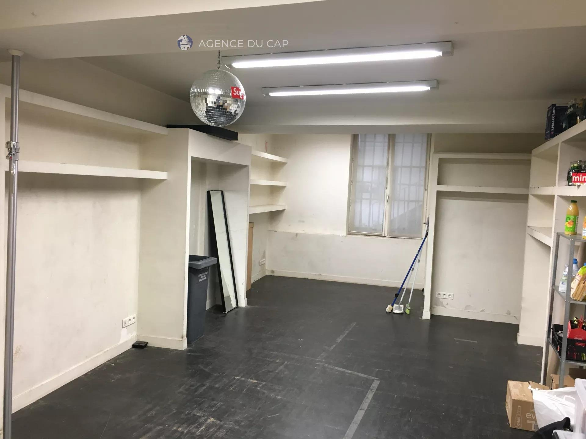 COMMERCIAL RENT  - RUE DU TEMPLE