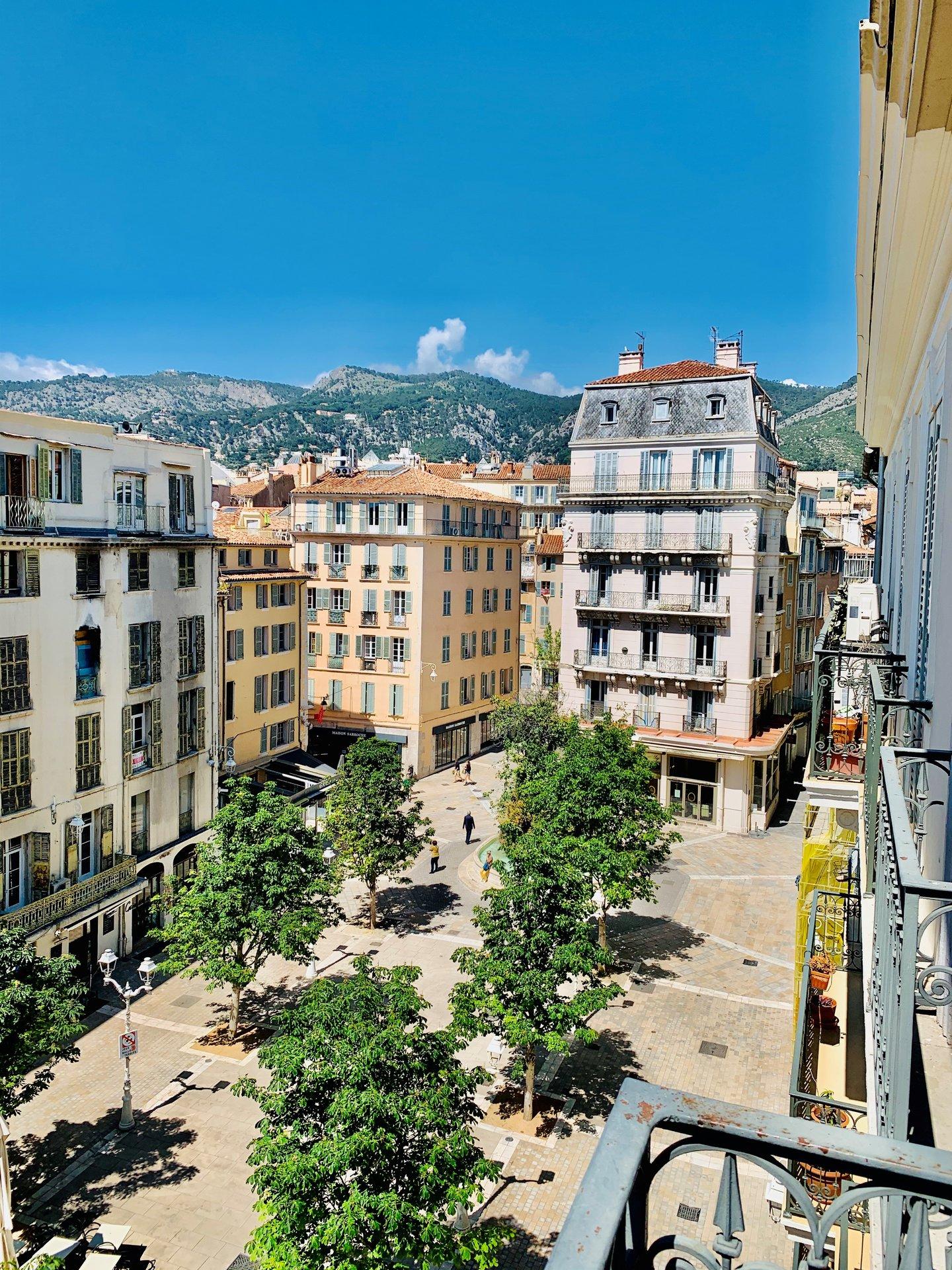 T3 100m² Toulon centre - Place Puget