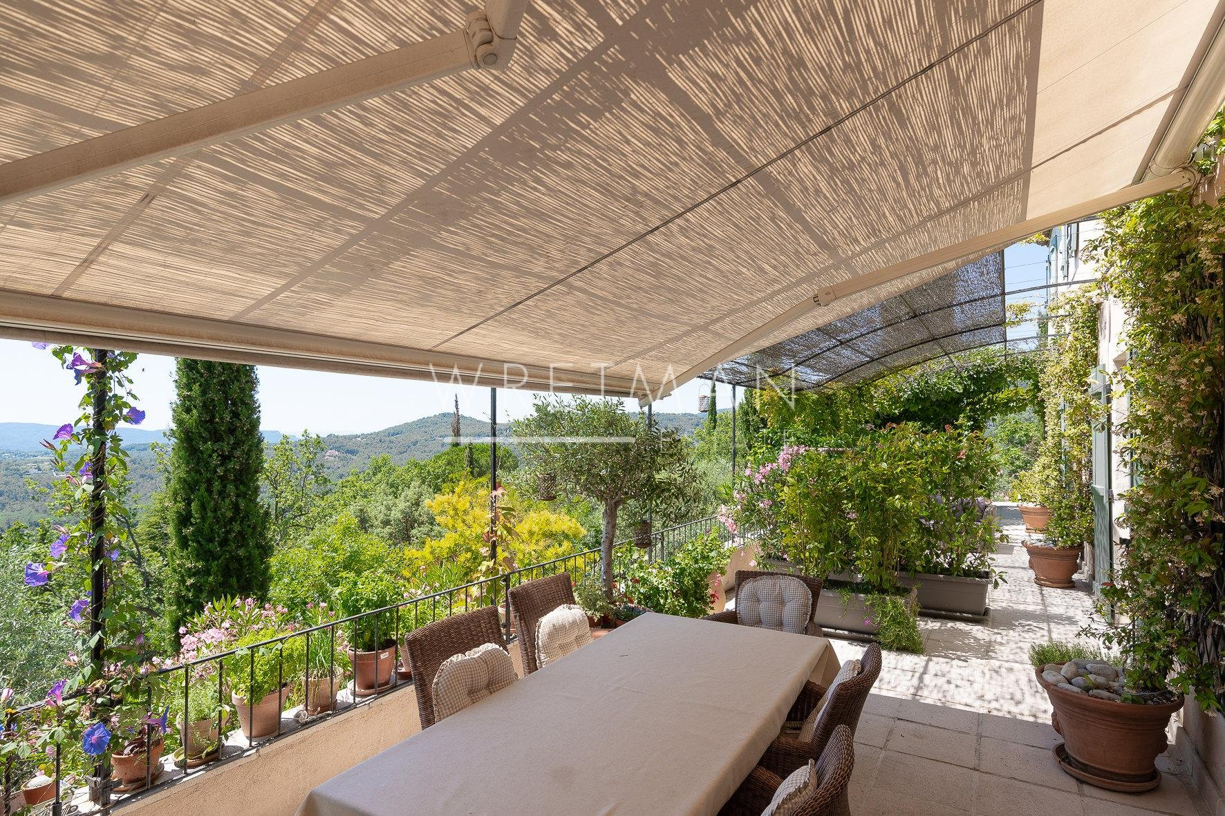 Provencal villa with superb view and pool - Seillans