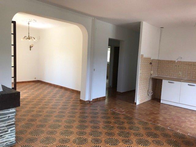 PRODUIT RARE !! Maison individuelle dans la verdure  sur 2 niveaux de 4 pièces avec terrain de 2000m² - Grand garage 32m²
