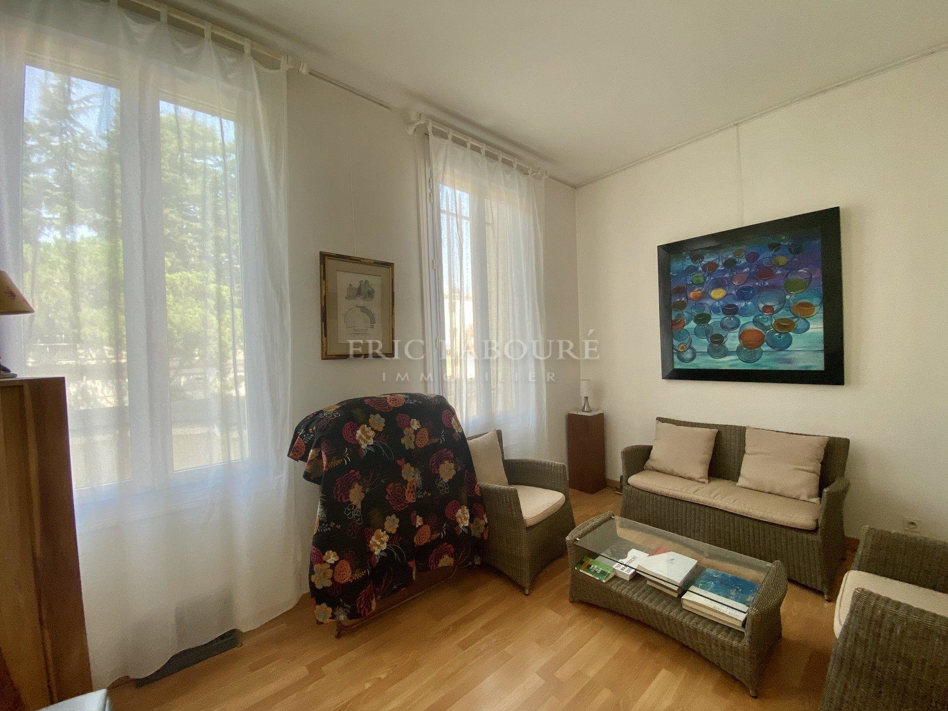 CANNES - APPARTEMENT BOURGEOIS VUE MER