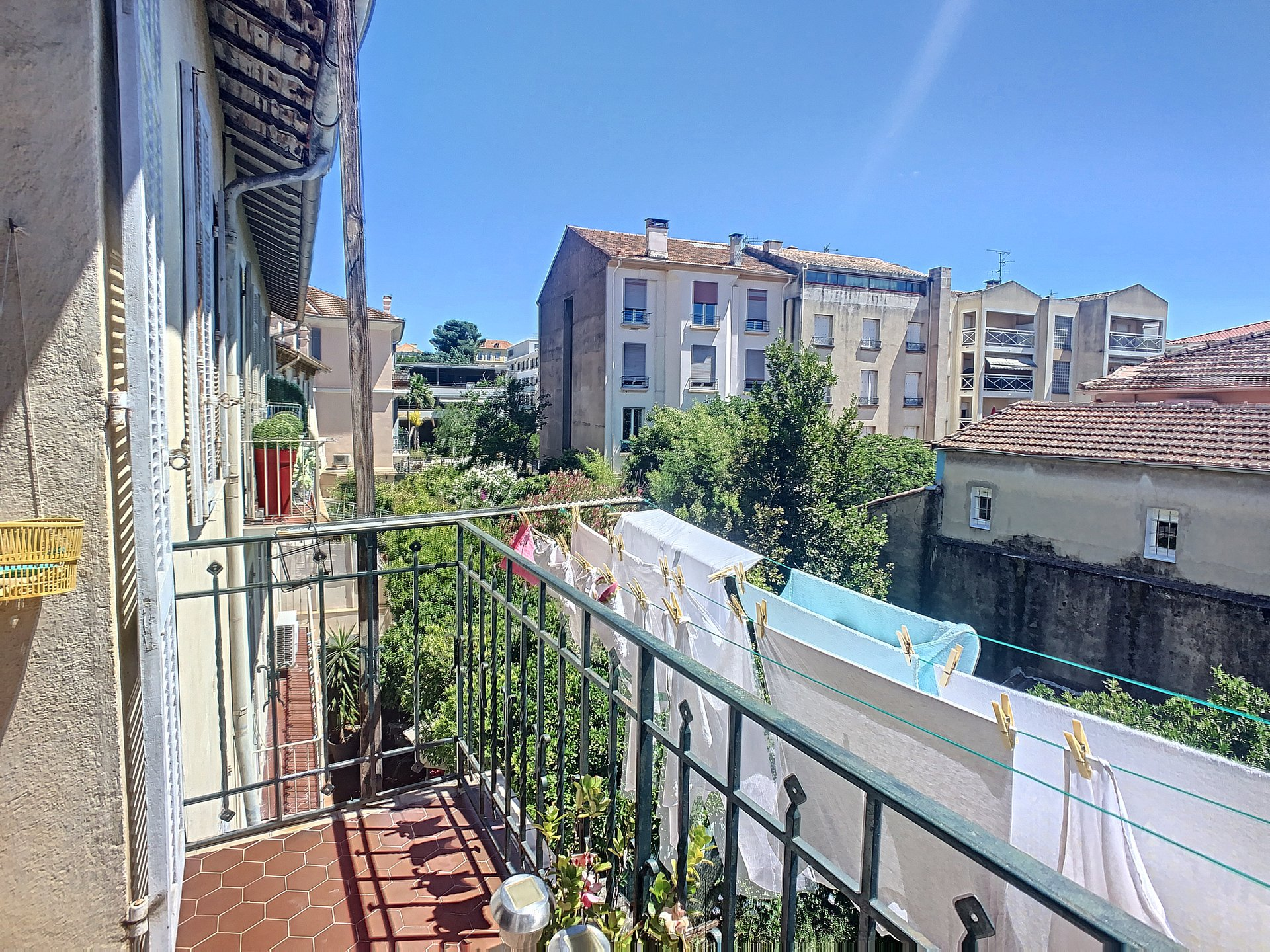 Cannes Montfleury Large 2-bedroom apartment 5 mn walking to the rue d'Antibes