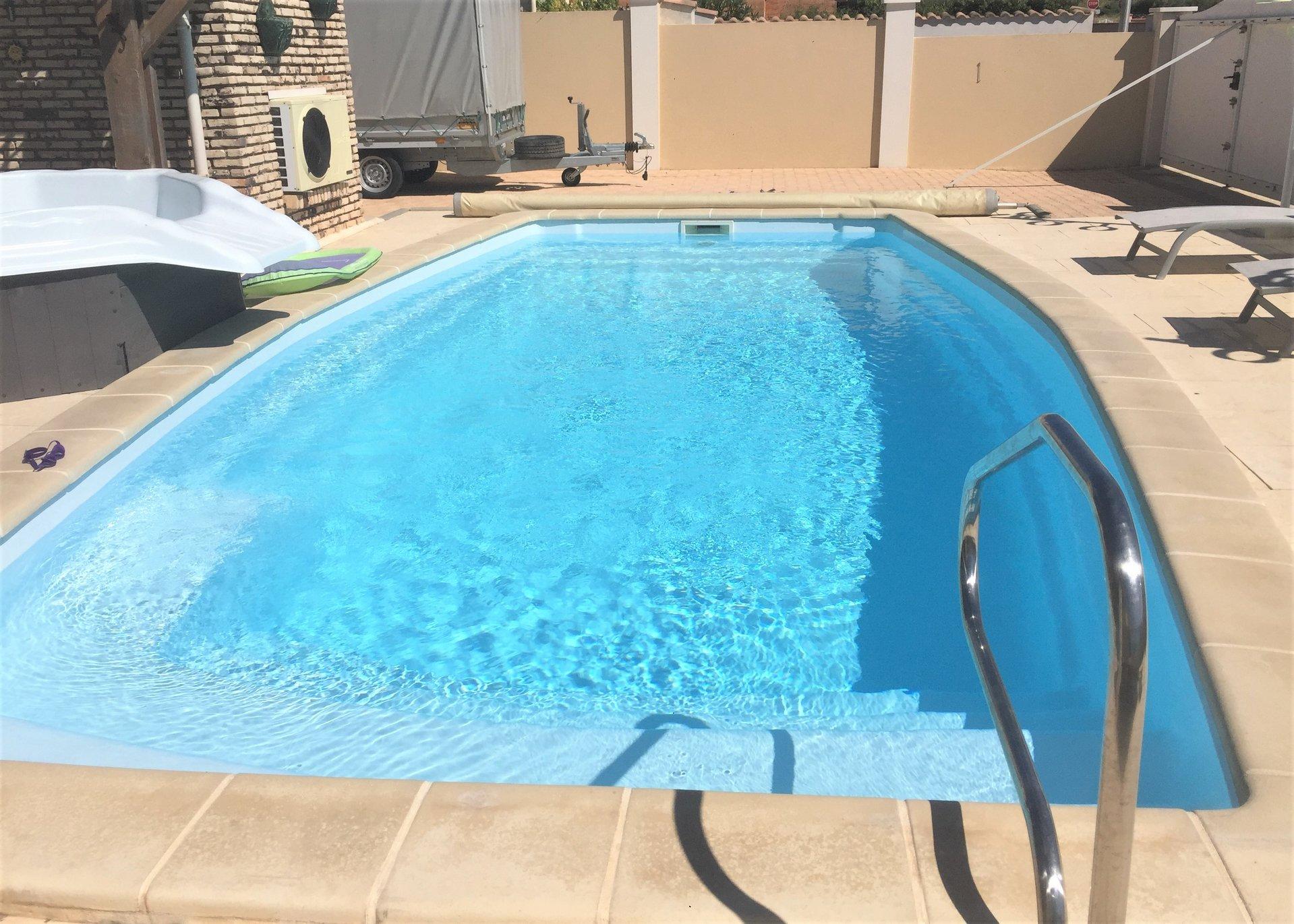 Villa de plain pied avec piscine et jacuzzi