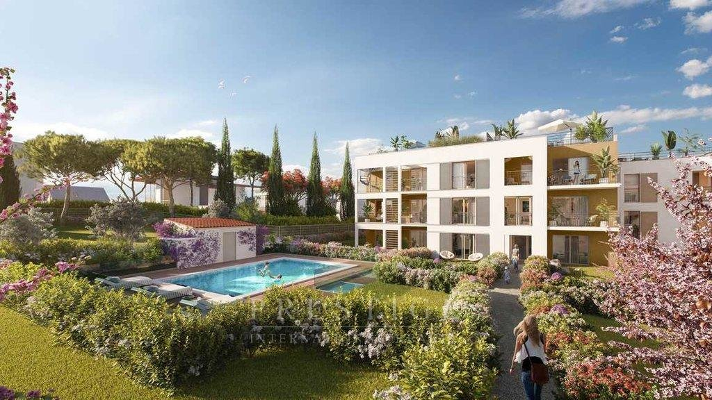 Juan les pins, 2 bedrooms flat, 2 gardens, double garage, pool