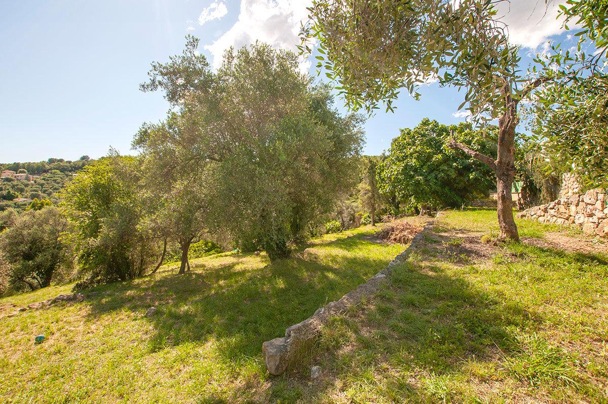 Land for sale Le Rouret - planning permission for a 4 bed villa