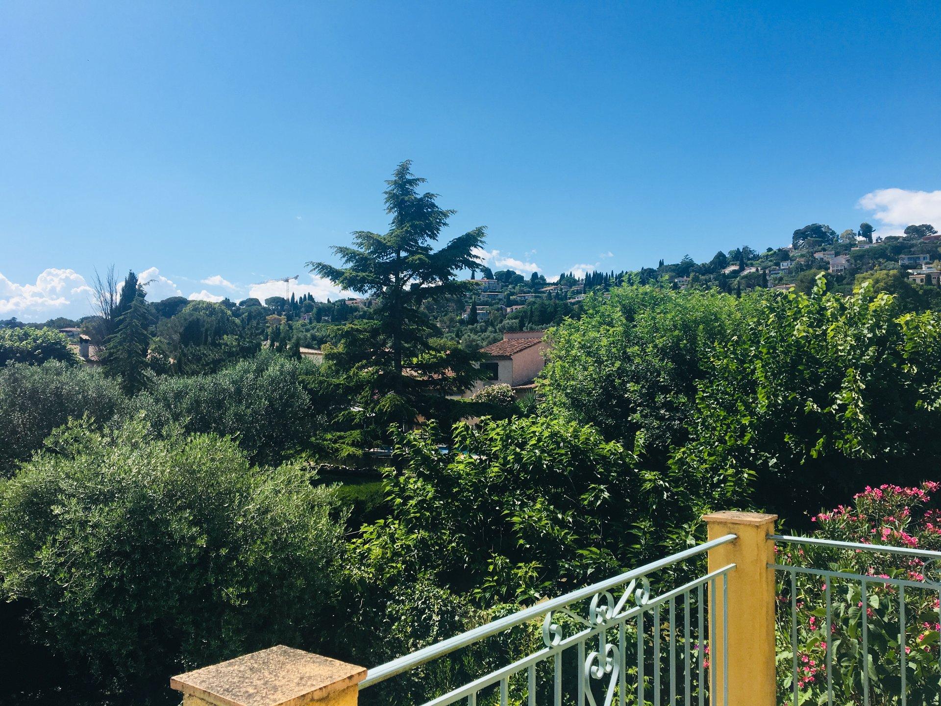 Beau 4p villa au calme et proche axes routiers - MOUGINS