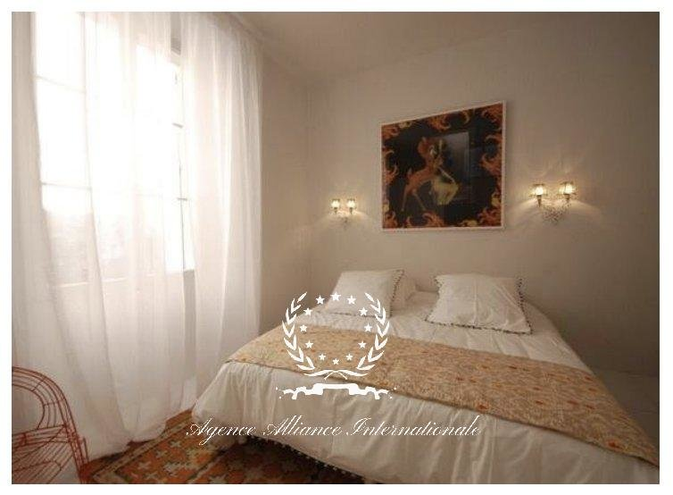 CANNES HISTORICAL CENTER 2 BEDROOM LOFT WITH BALCONY