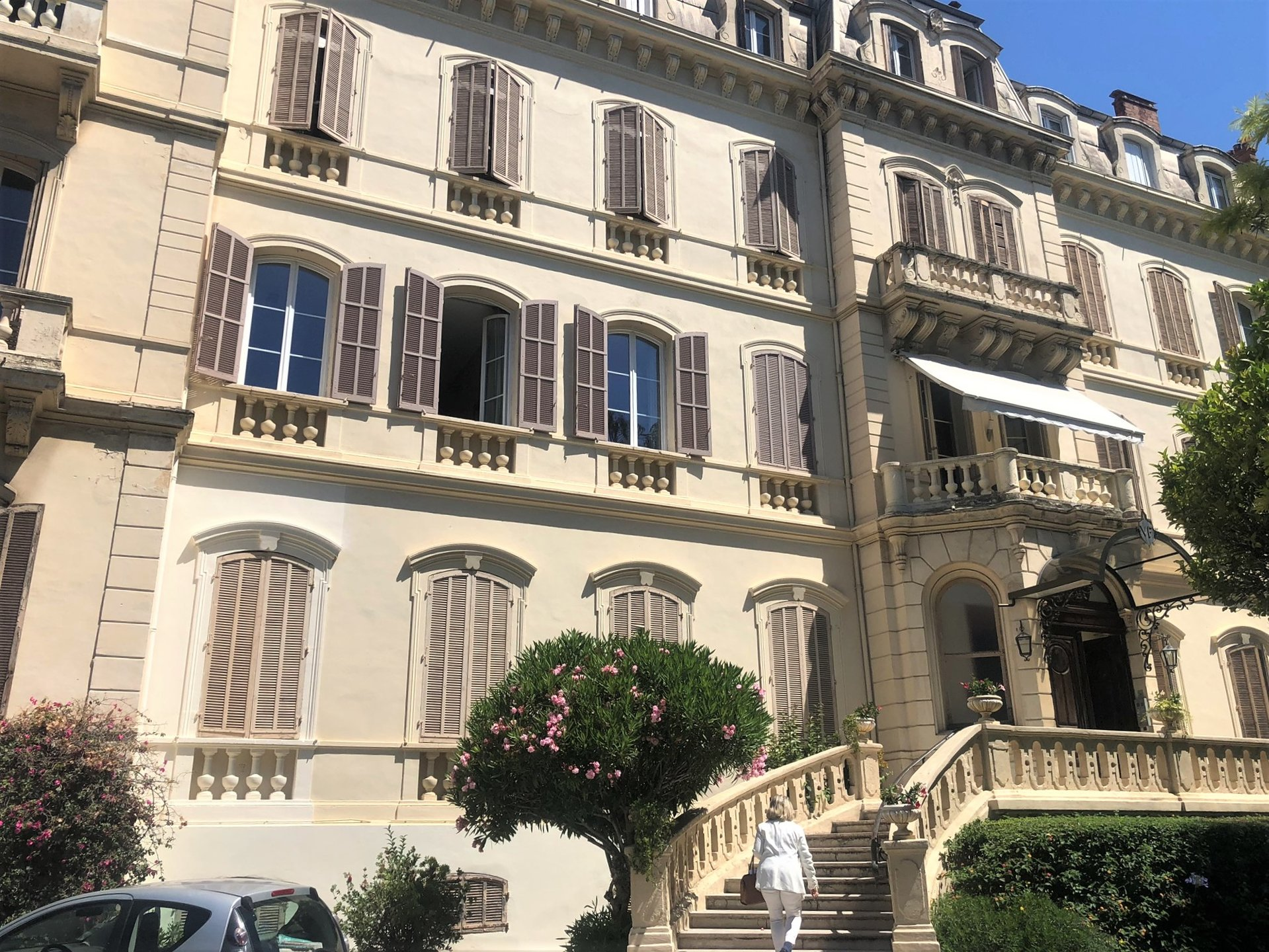 FOR SALE CANNES APARTMENT 100M RUE D'ANTIBES BOURGEOIS 160M2 4 BEDROOMS