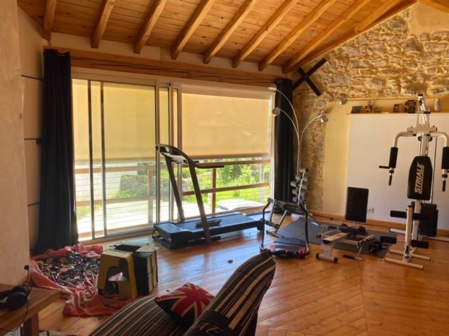 3 bedroom fully renovated stone farmhouse only 10 minutes from Aspet