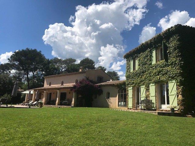Valbonne, superbe villa de charme et de caractére