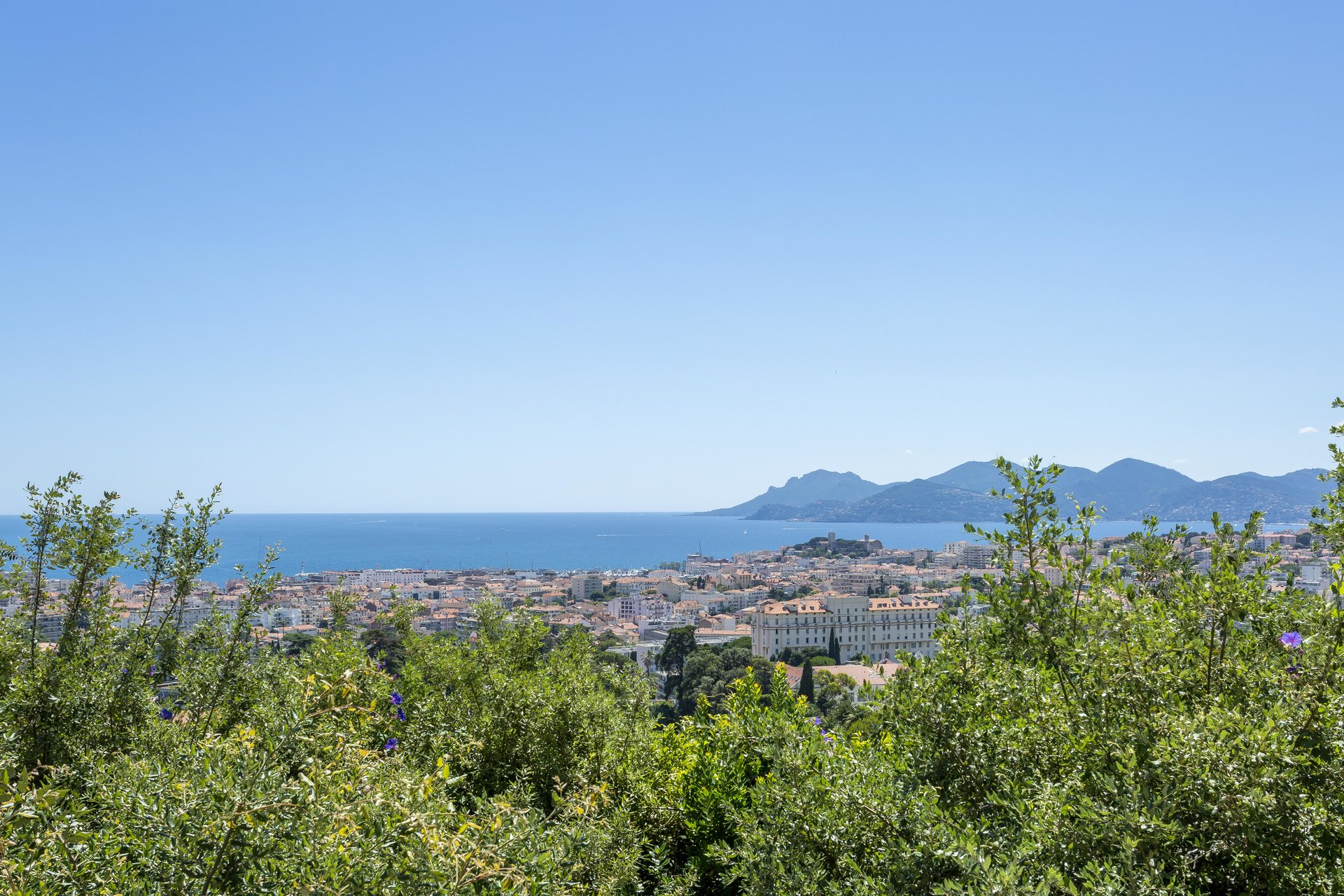 CANNES CALIFORNIE - SEA VIEW AND BAY OF CANNES
