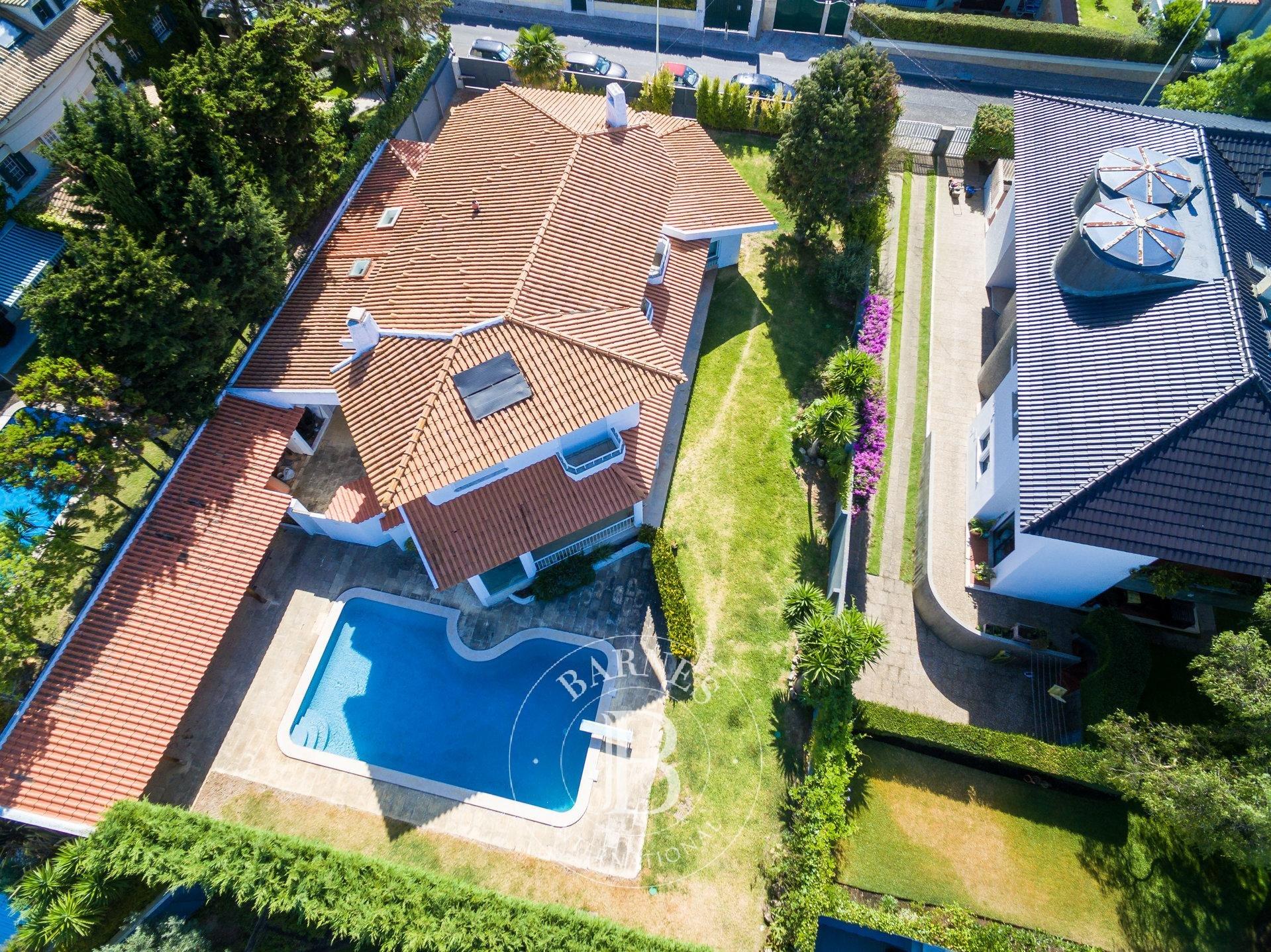 Moradia T8 com piscina na Parede, Cascais