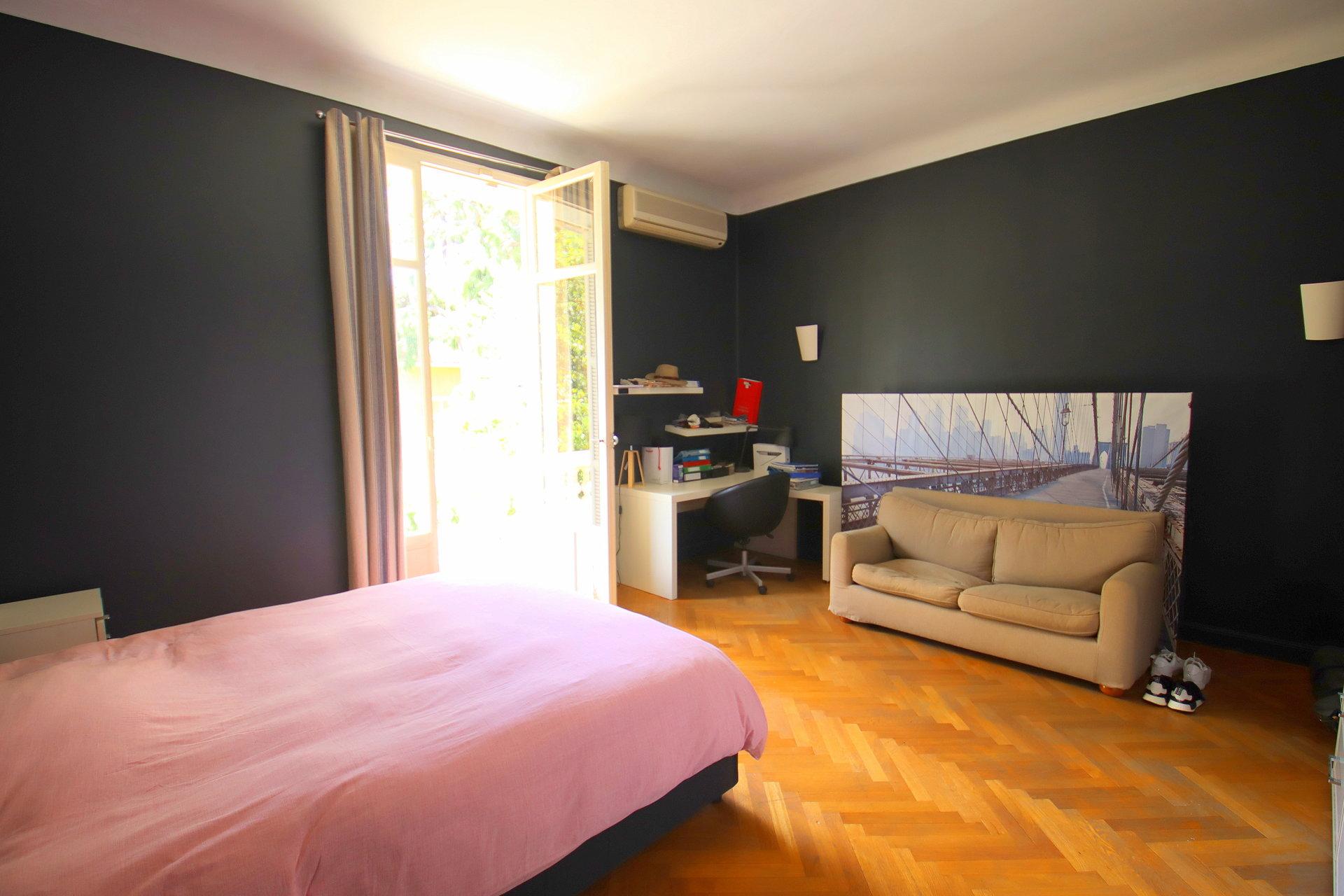 Beaulieur sur mer villa Belle Epoque chambre