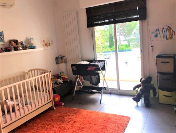 FOR SALE  TWO ROOMS LE CANNET 68M2 CELLAR PARKING