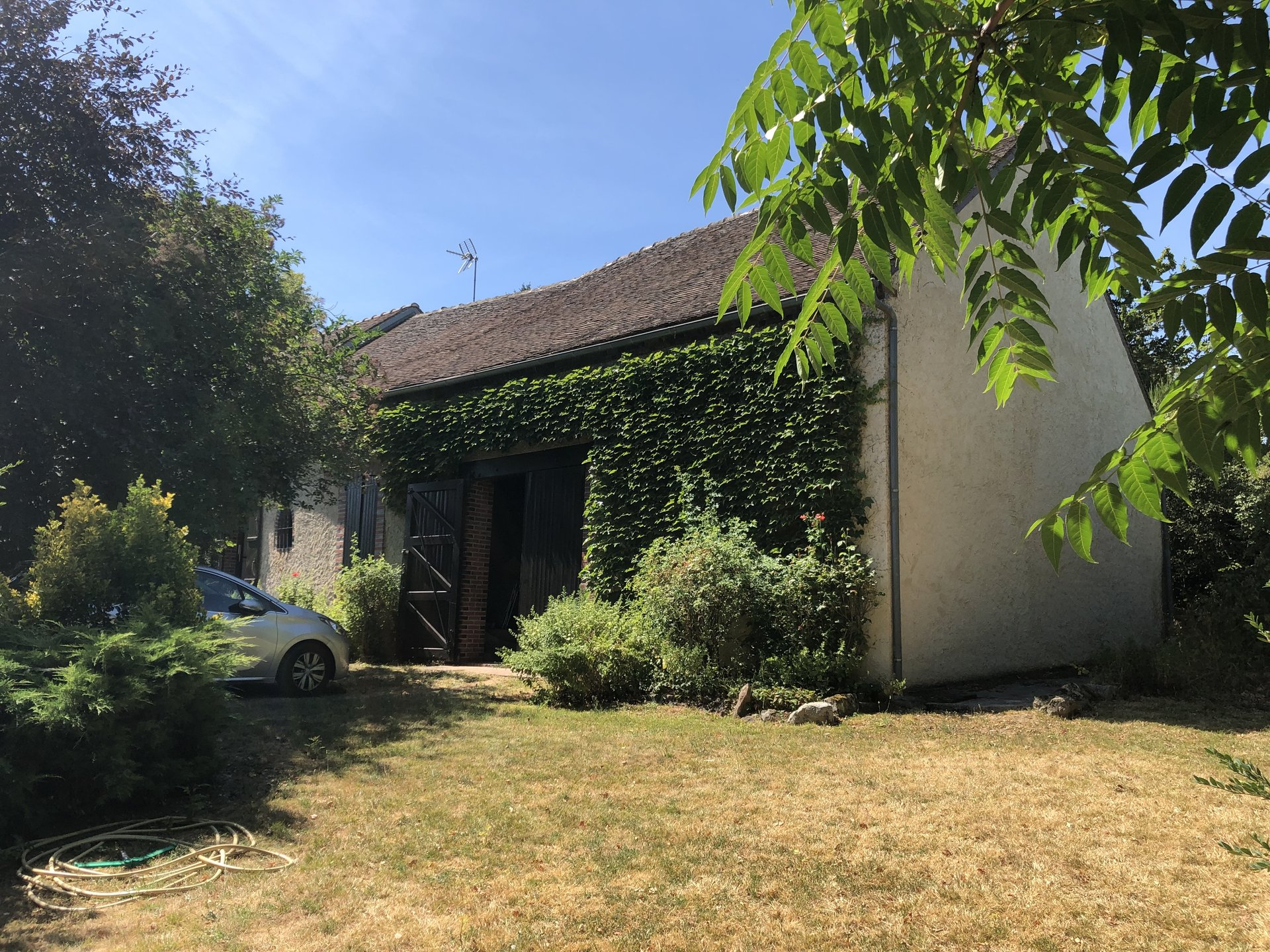 Sale Farmhouse - Villeneuve Sur Yonne