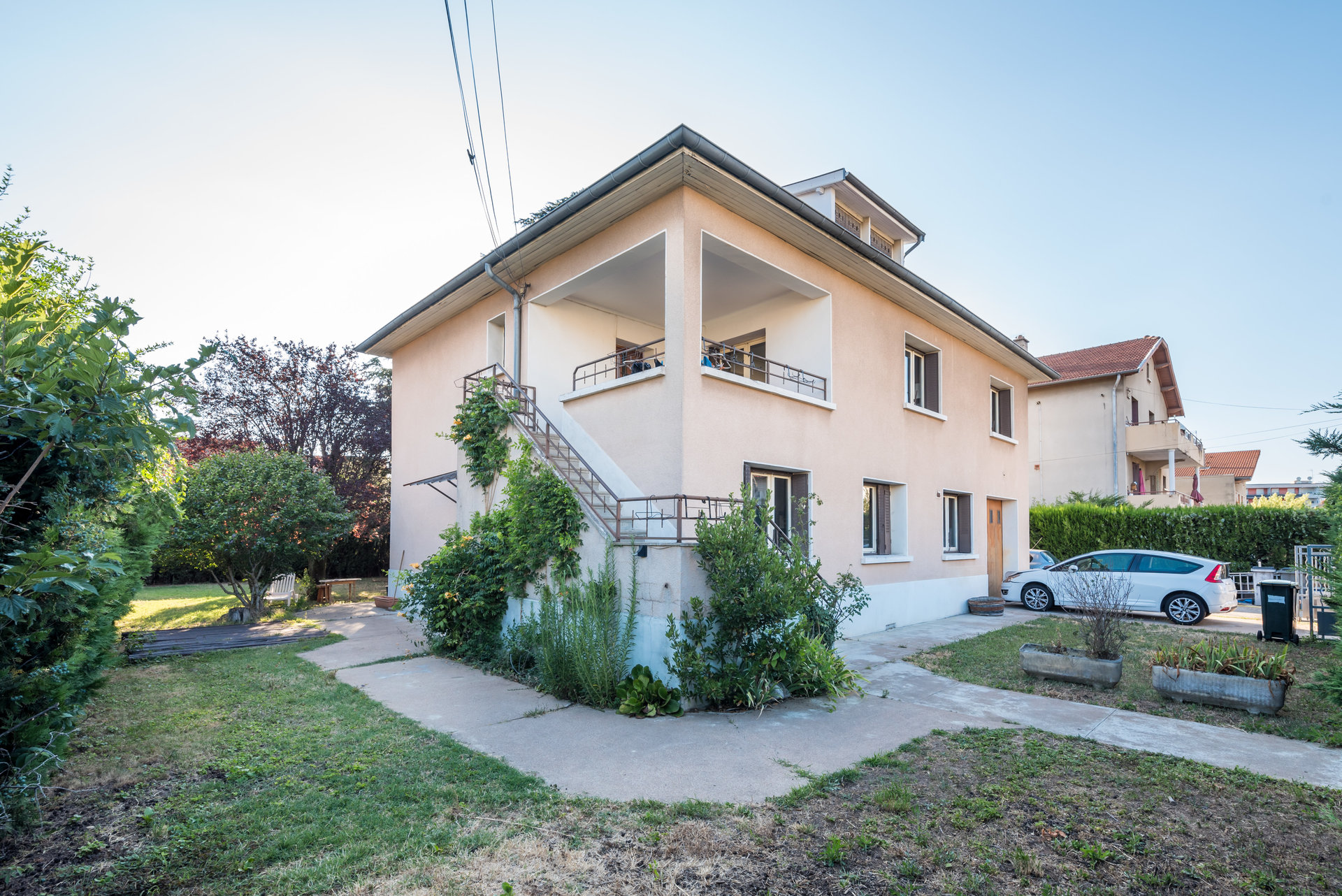 Maison Venissieux 259m² sur terrain de 936m²