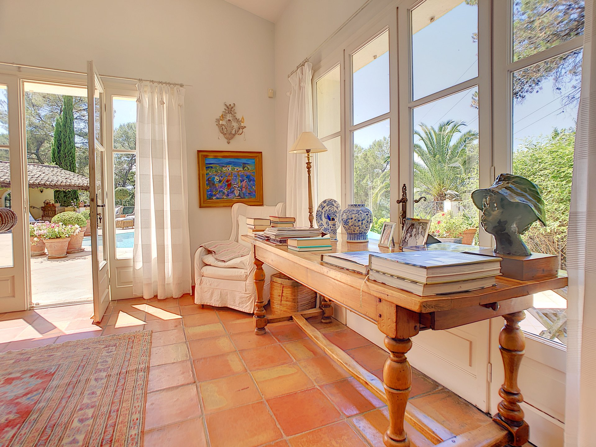 Mougins, Property with pirvate access to the Royal Golf