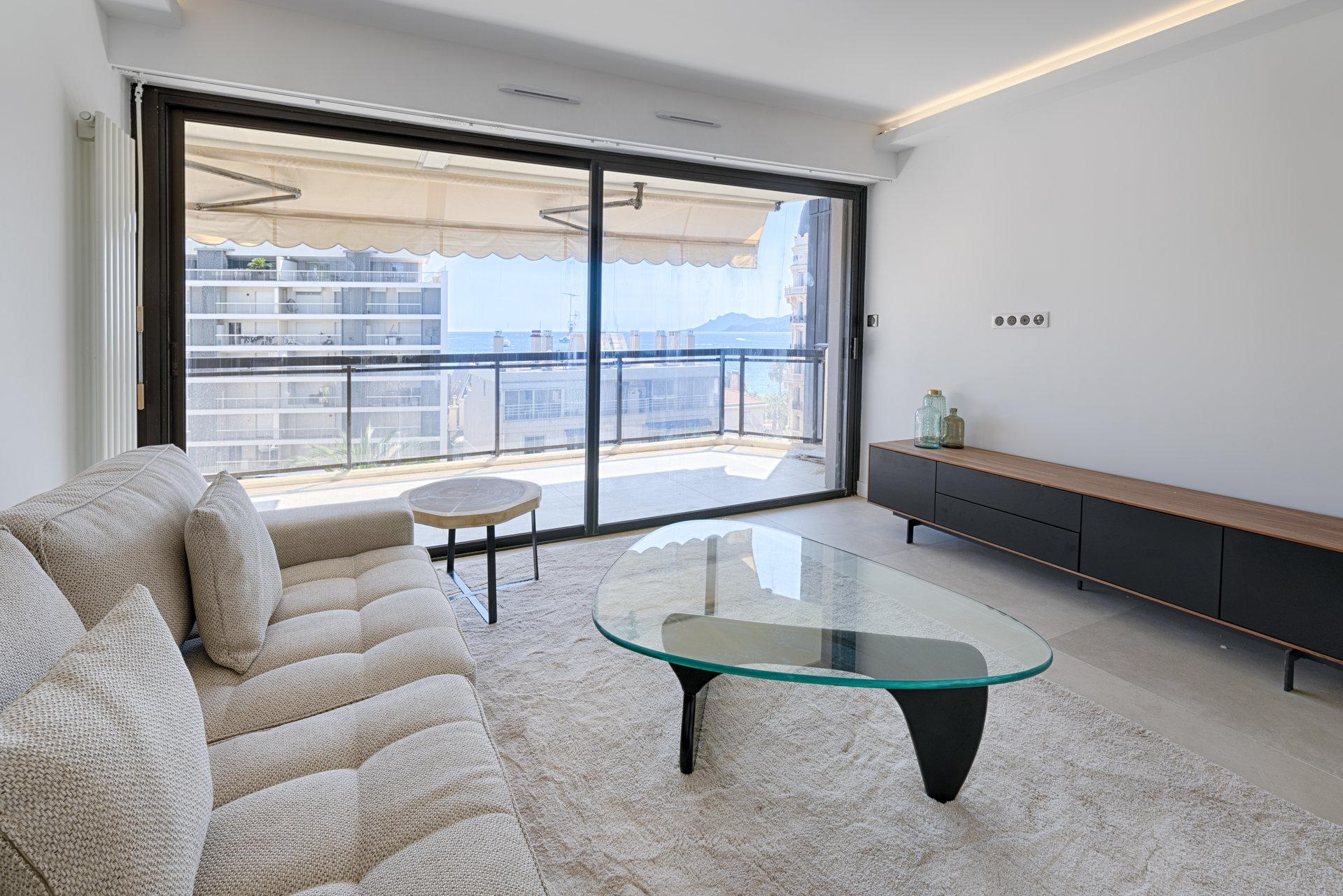 CANNES arrière Croisette - Appartement 3 pièces entièrement rénové à vendre by CANNES AGENCY