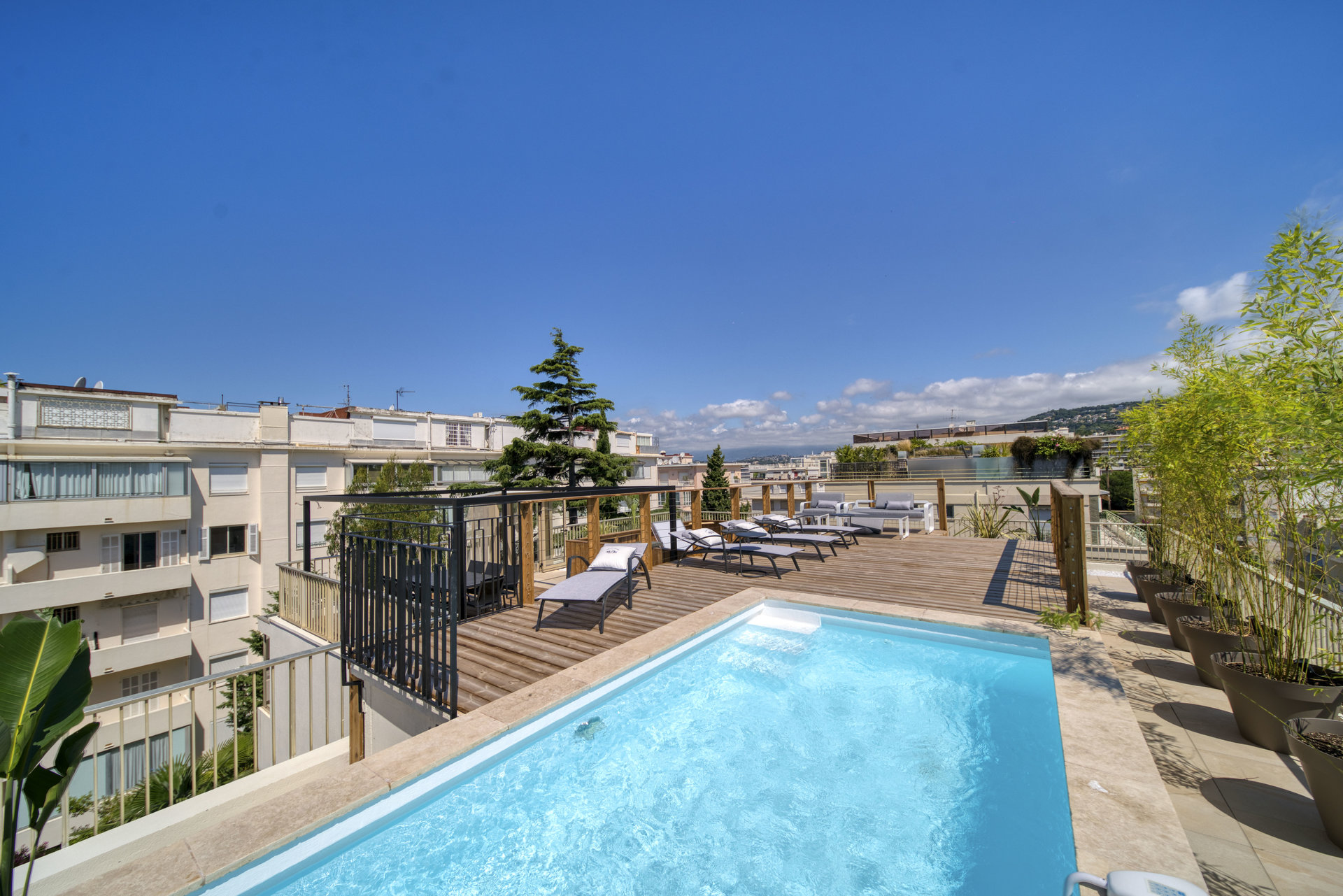 Superb apartment on the roof with swimming pool Cannes