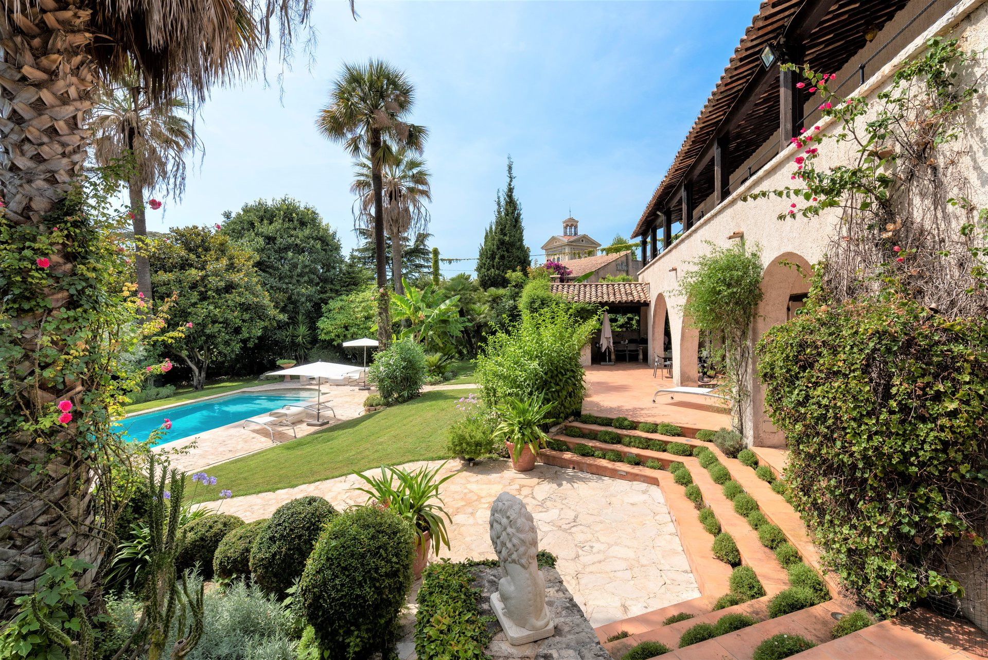 FOR SALE CANNES MONTFLEURY EXCEPTIONAL PROPERTY SWIMMING POOL 500M ANTIBES STREET