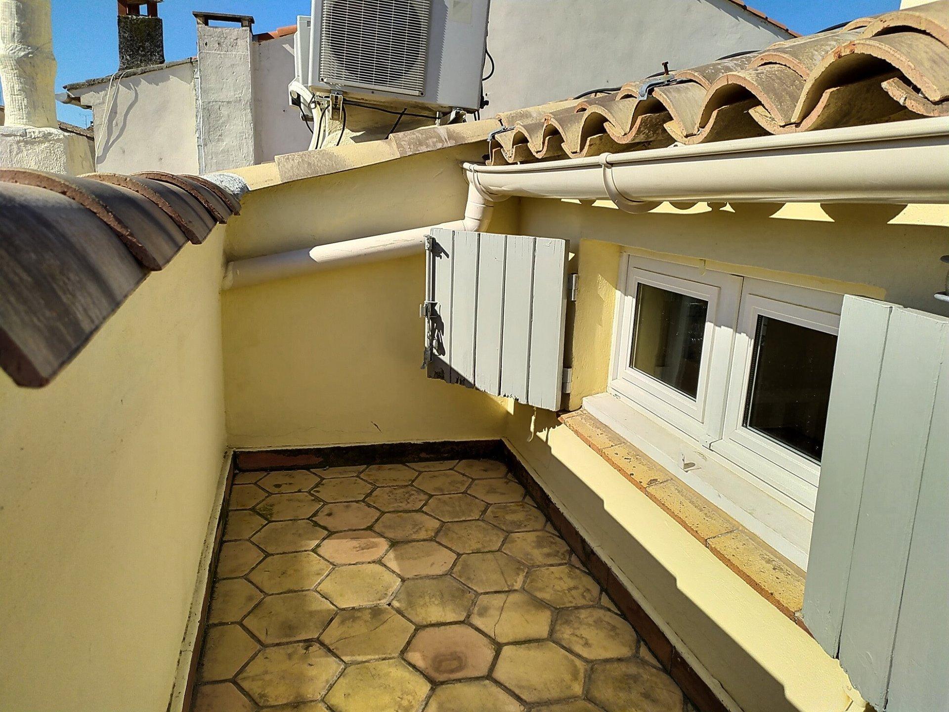 VIEIL ANTIBES - 3/4P 96M2 Balcon Vue Mer