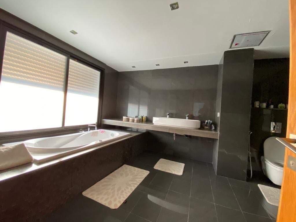 Vente Villa avec piscine à La Soukra
