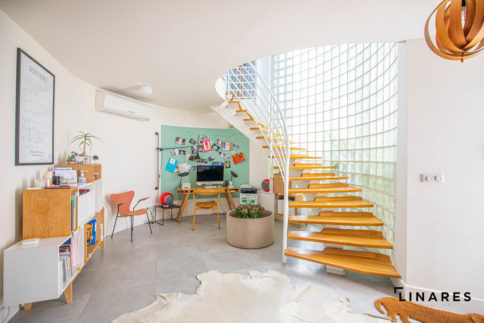 COMME UNE MAISON - Appartement / Loft type 5 de 239 m2
