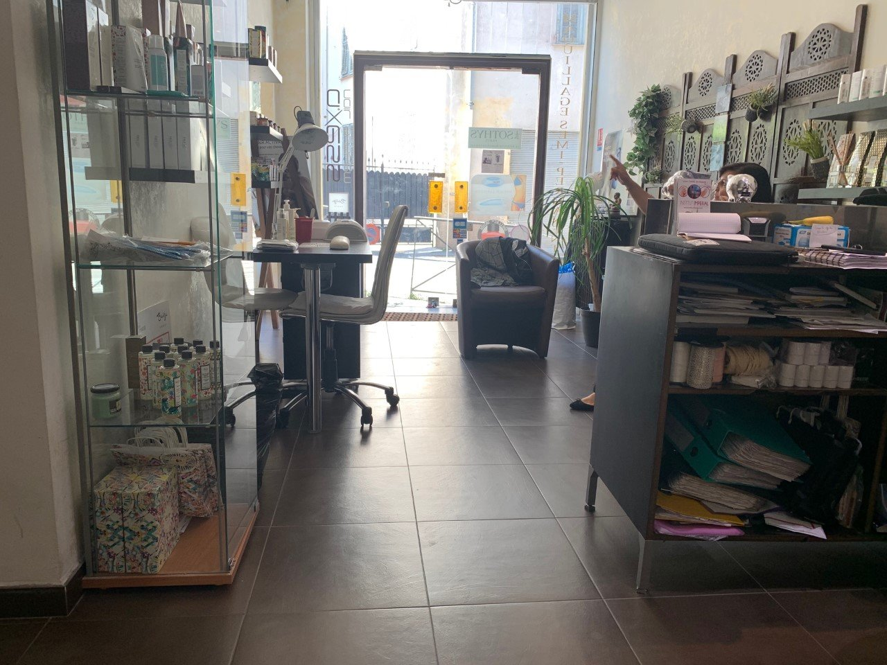 MURS COMMERCIAUX OCCUPES-NICE -70M2