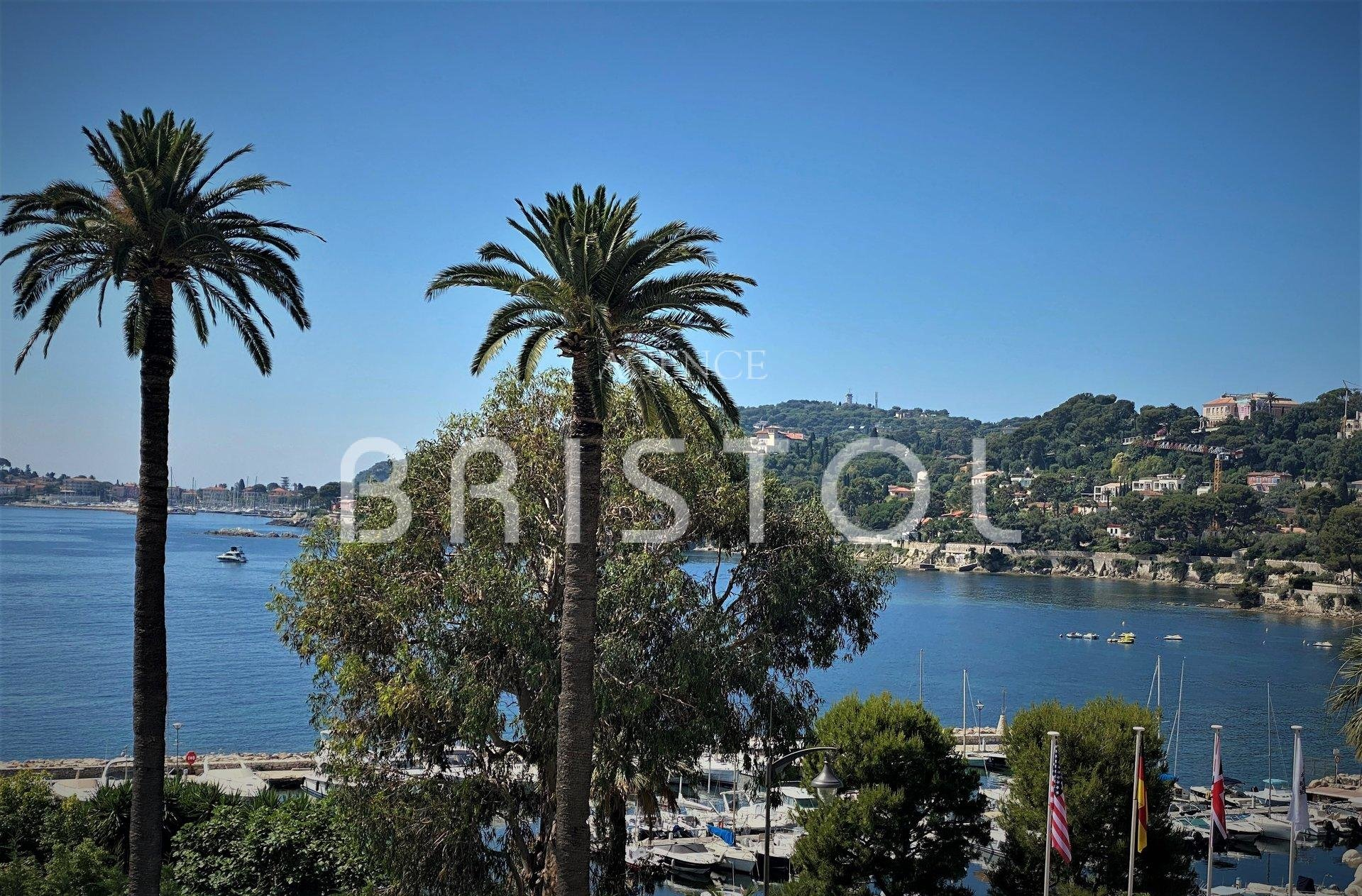 Luxury apartment in Bristol Residence Beaulieu sur mer -sea view