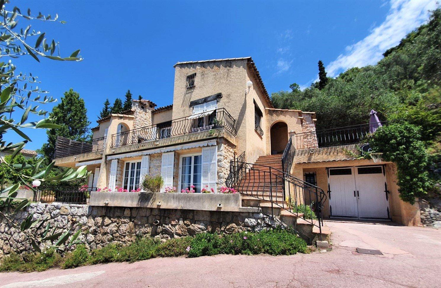 Sale Villa - Castagniers VILLAGE