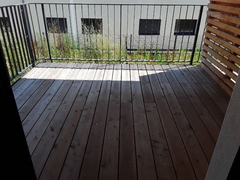 SAINT-PRIEST-EN-JAREZ- T1 NEUF  avec terrasse et garage