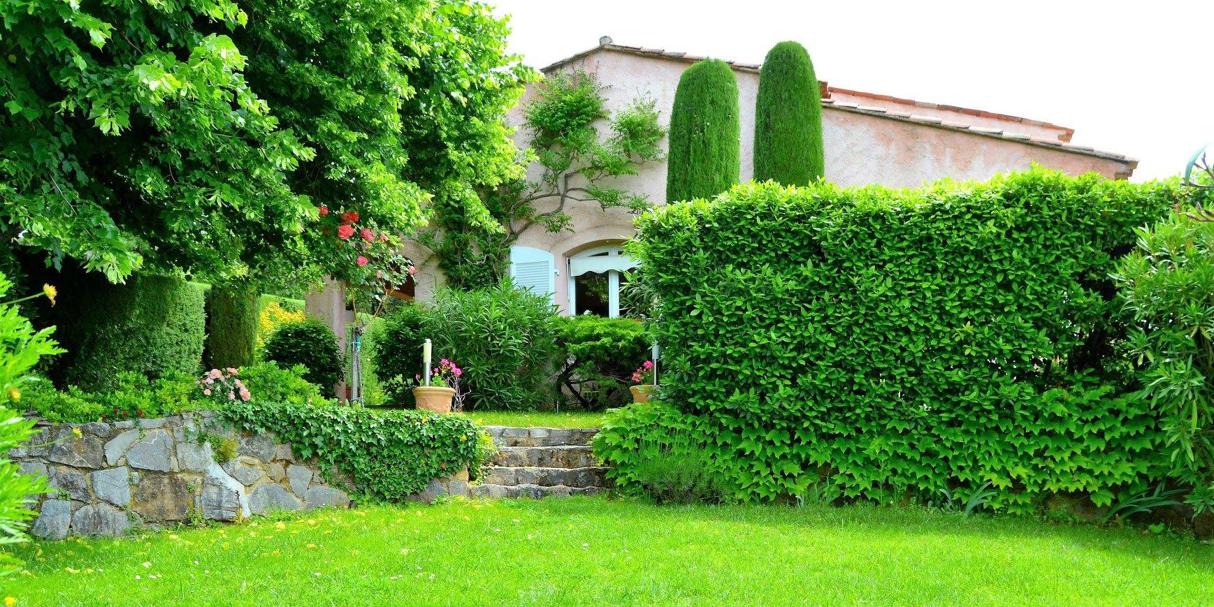 Villa spacieuse vue panoramique à pied du village