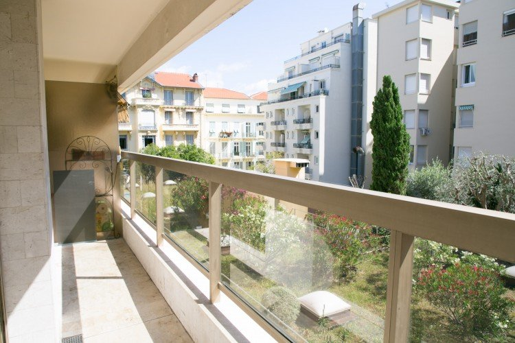 Nice Carré D'or - 2bedrooms apartment with terrace and seaview.