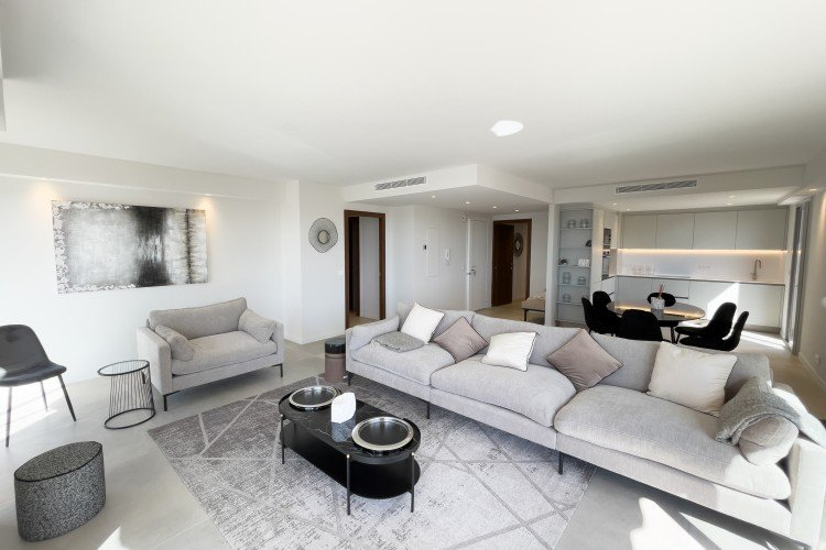 Villefranche sur mer - 3bedrooms apartment with terrace and seaview.