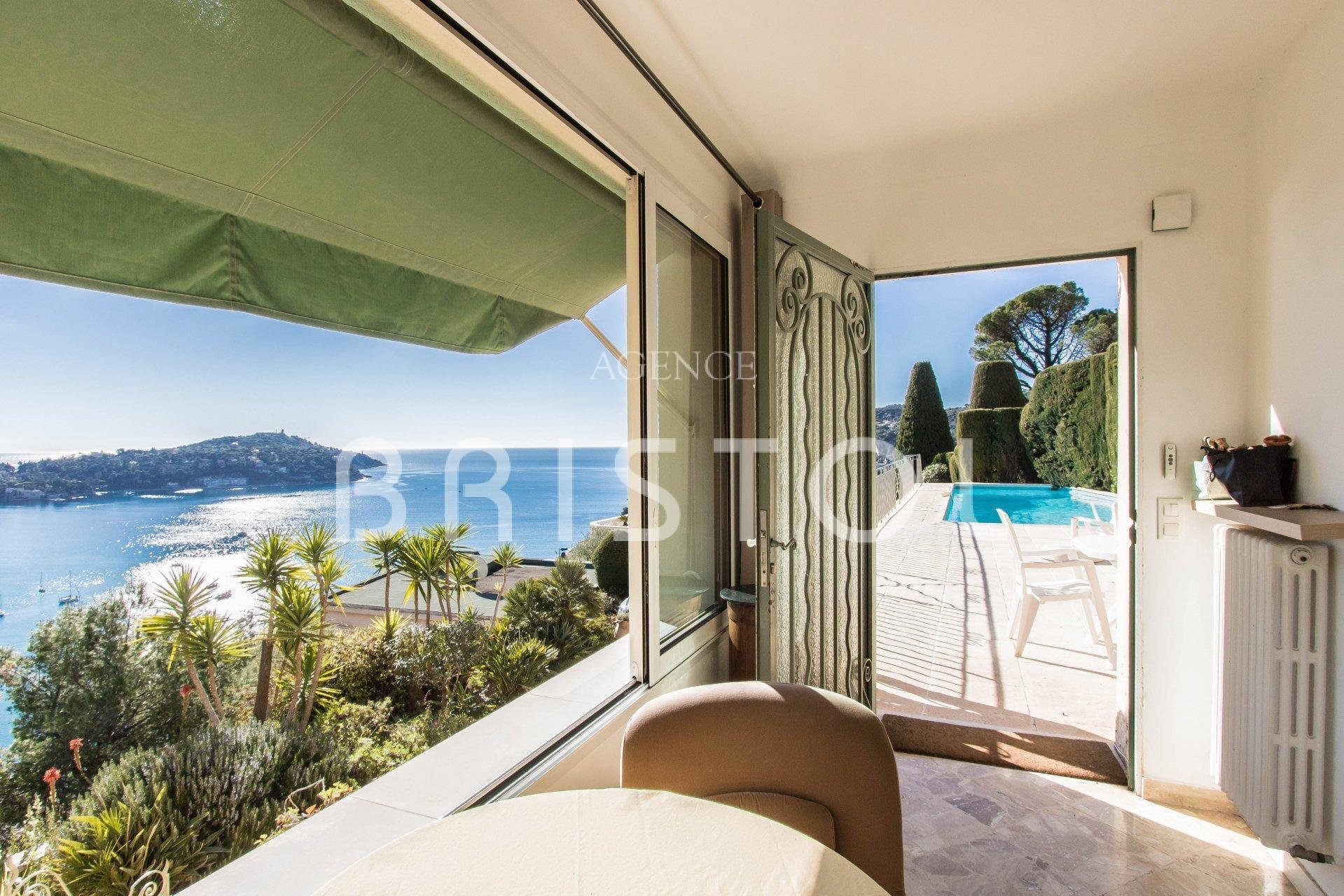 Charming apartment-villa for sale in Villefranche sur Mer